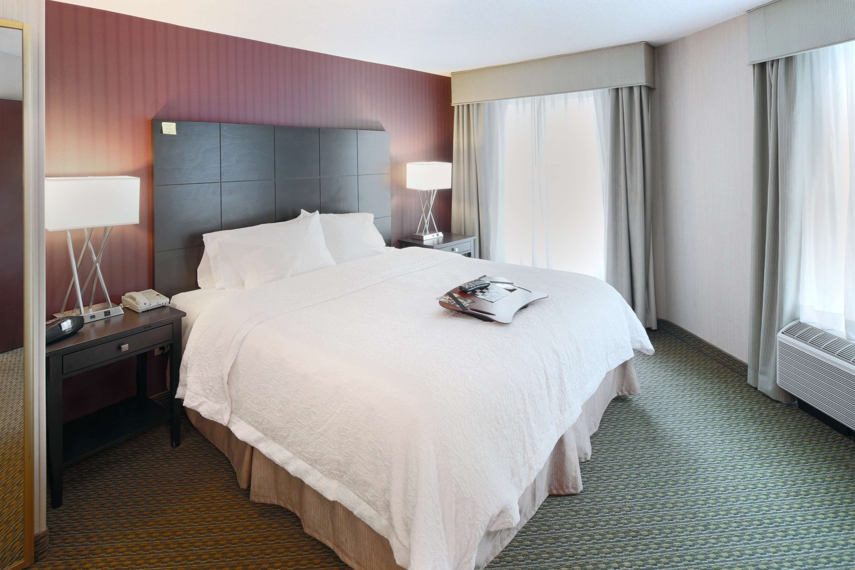 Hampton Inn & Suites Reagan National Airport image 11