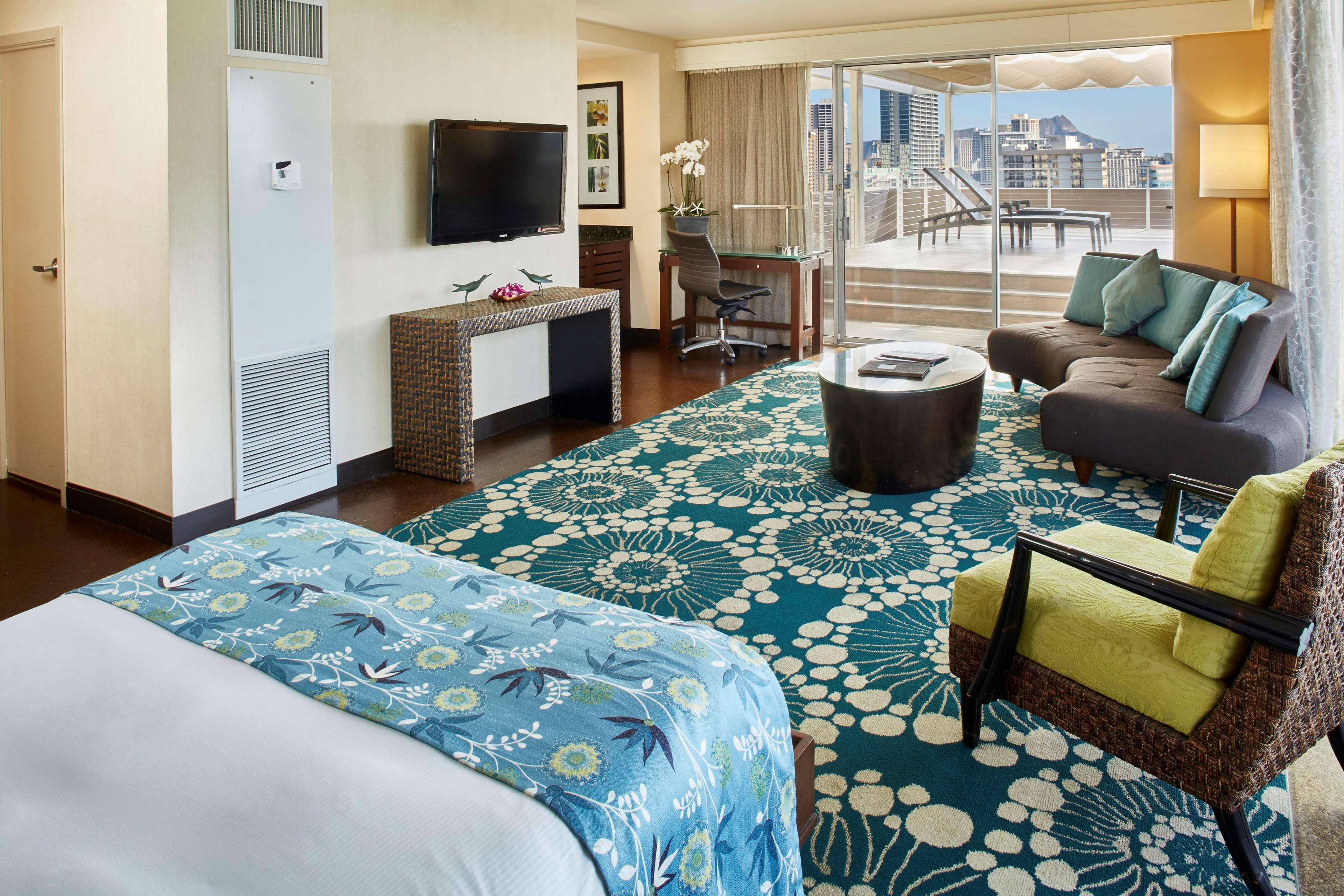 DoubleTree by Hilton Hotel Alana - Waikiki Beach image 18
