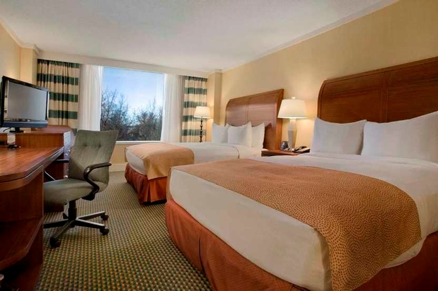 Hilton Stamford Hotel & Executive Meeting Center in Stamford, CT 06902 | Citysearch