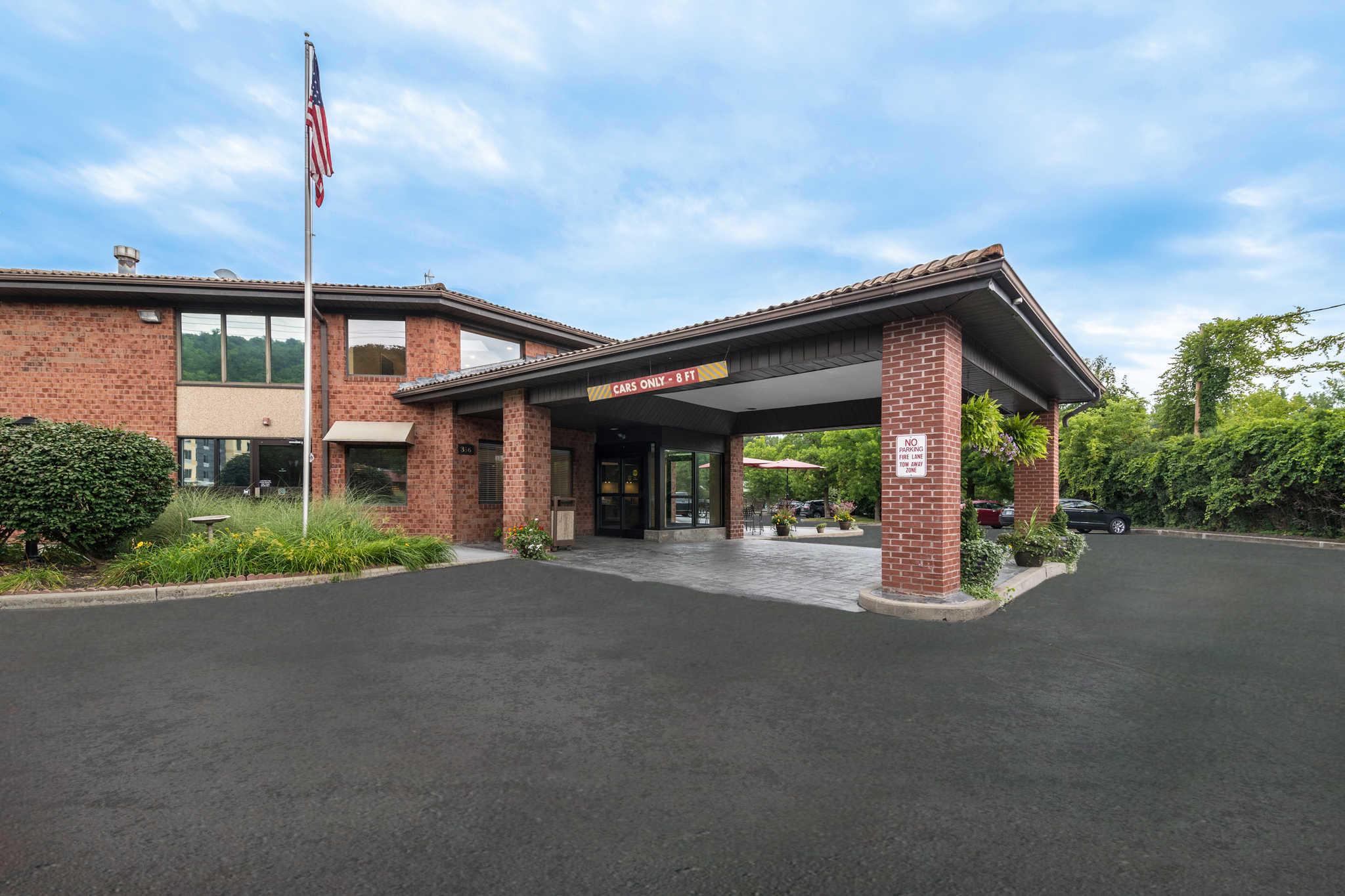Quality Inn Ithaca - University Area image 2