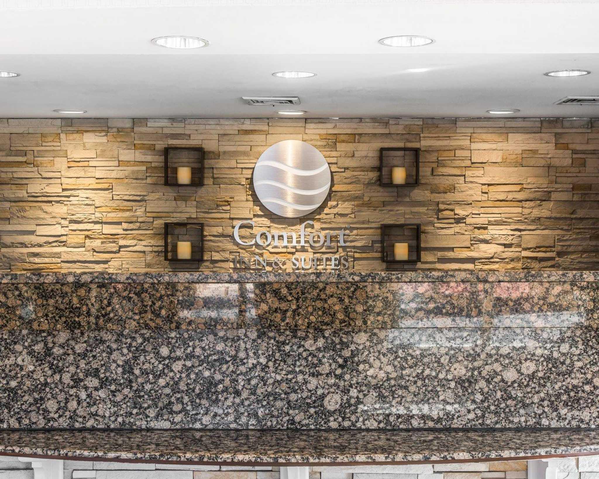 Comfort Inn & Suites East Hartford - Hartford image 4