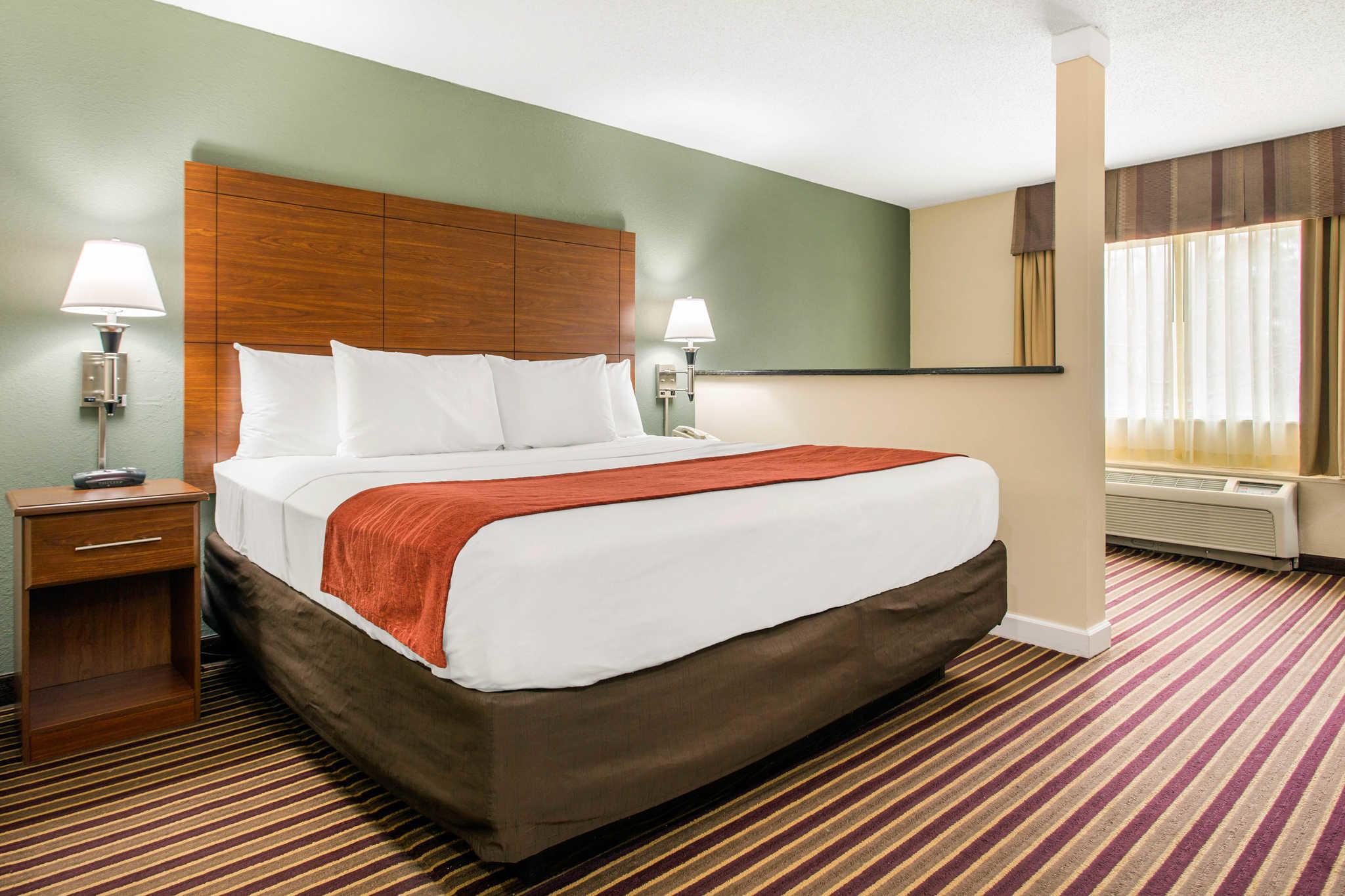 Comfort Inn & Suites Crabtree Valley image 18