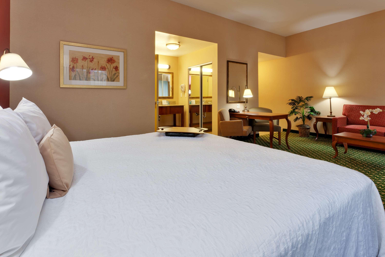 Hampton Inn & Suites Windsor - Sonoma Wine Country image 6