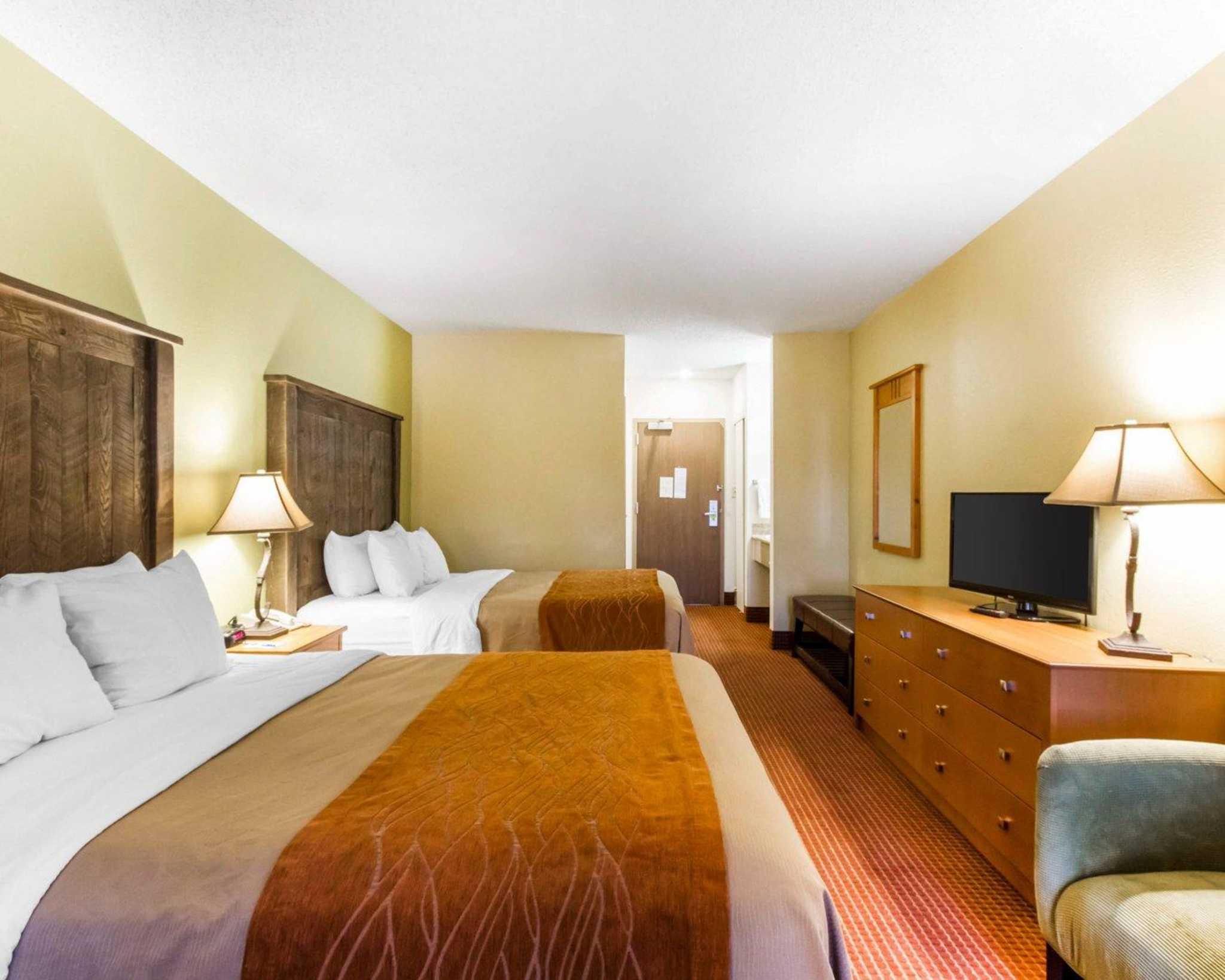 Comfort Inn I-17 & I-40 image 22