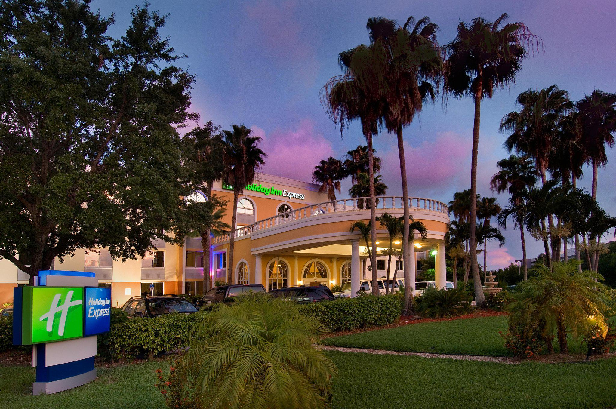 Holiday Inn Express Miami Airport Doral Area, an IHG Hotel