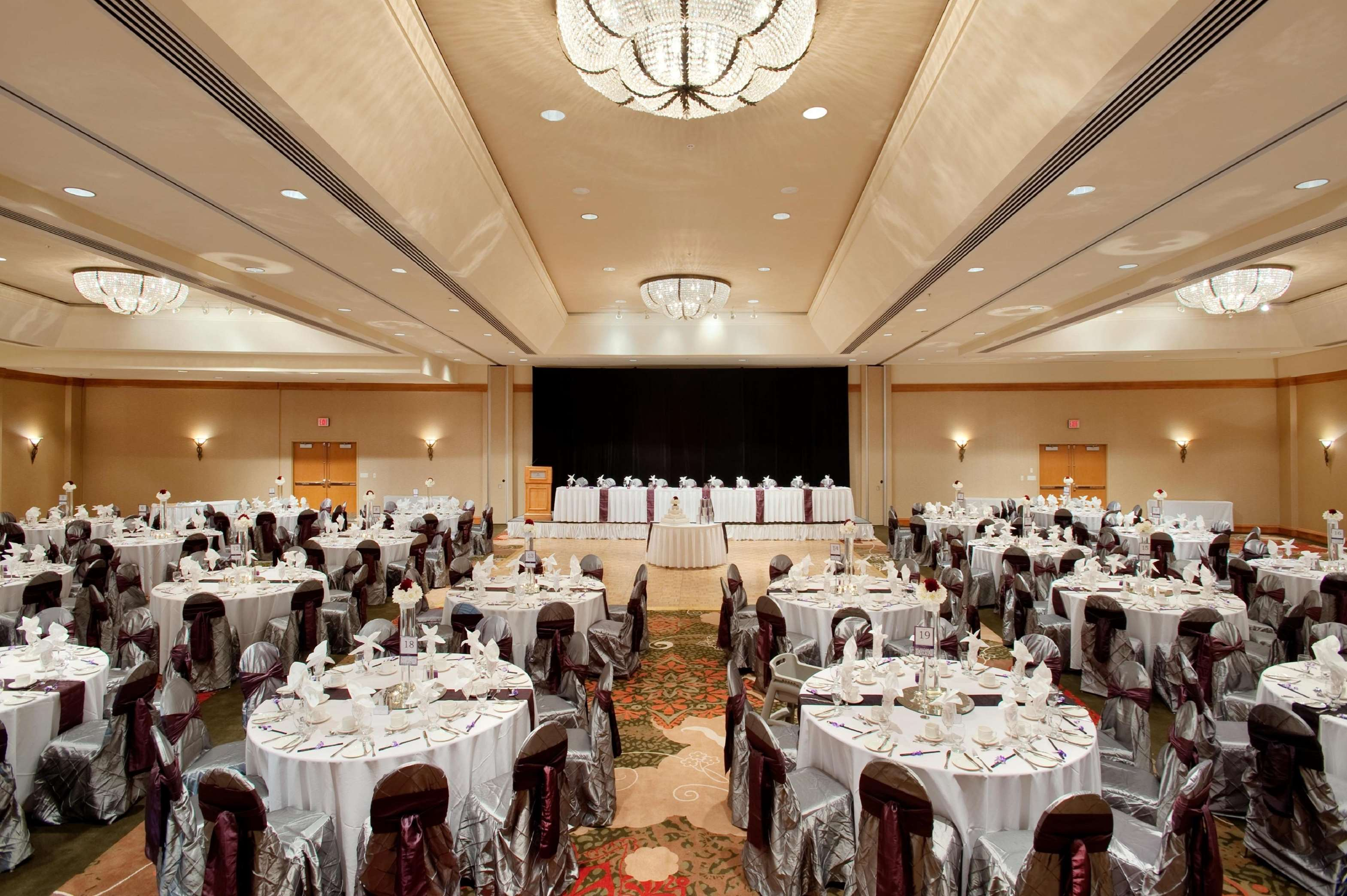 Hilton Vancouver Metrotown in Burnaby: Crystal Ballroom Wedding