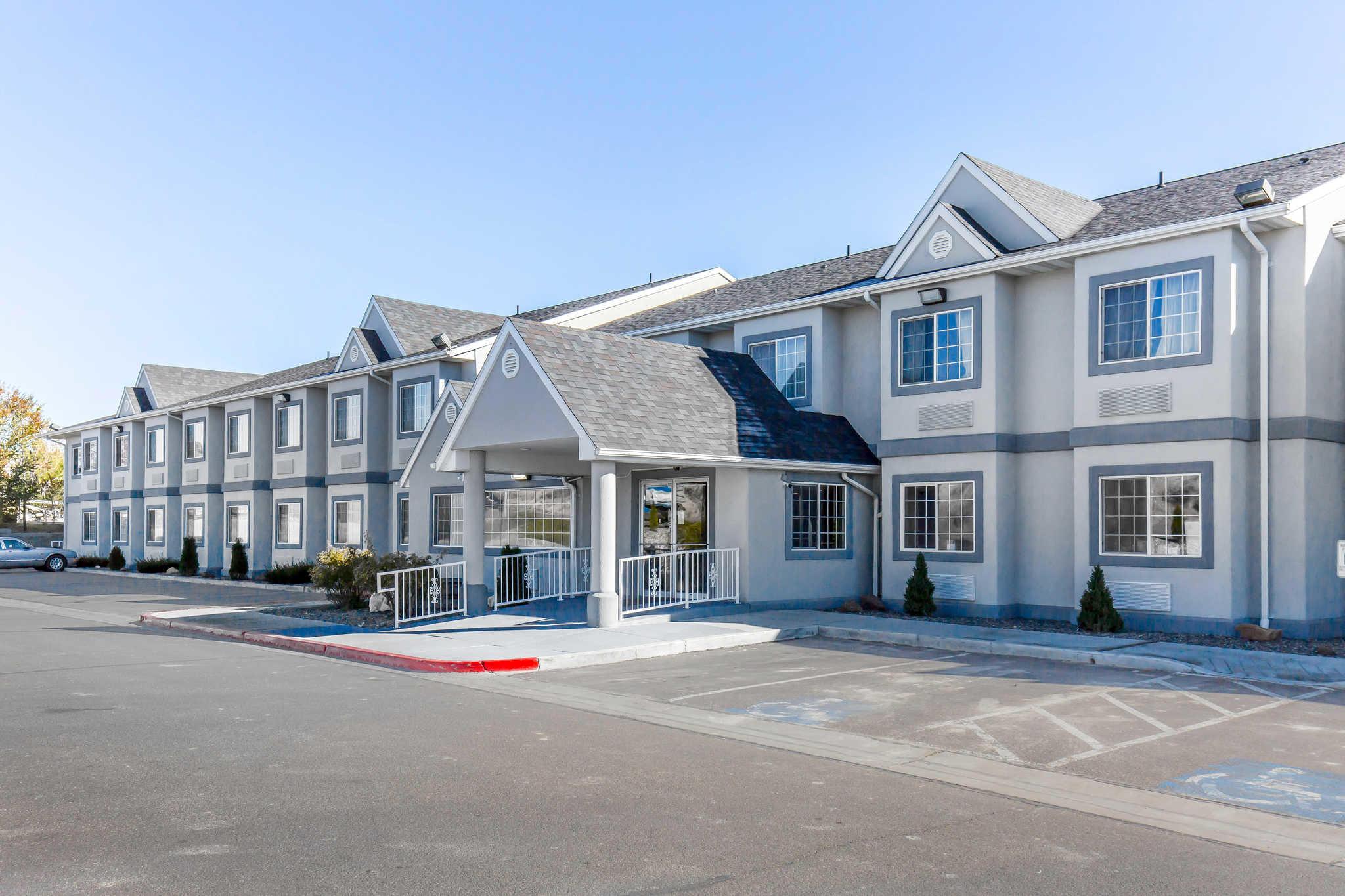 Quality Inn & Suites Elko image 1