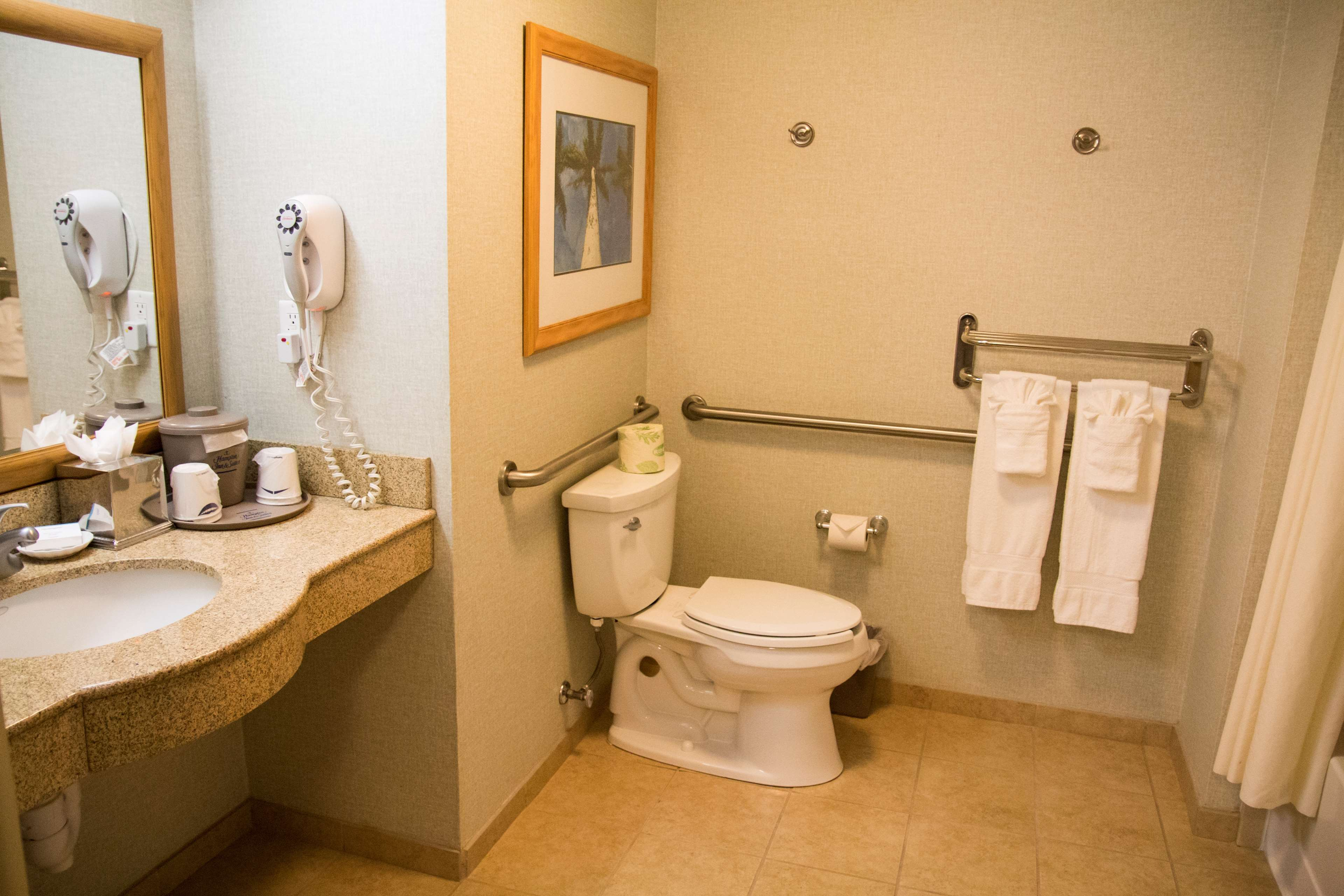 Hampton Inn & Suites Madera image 19
