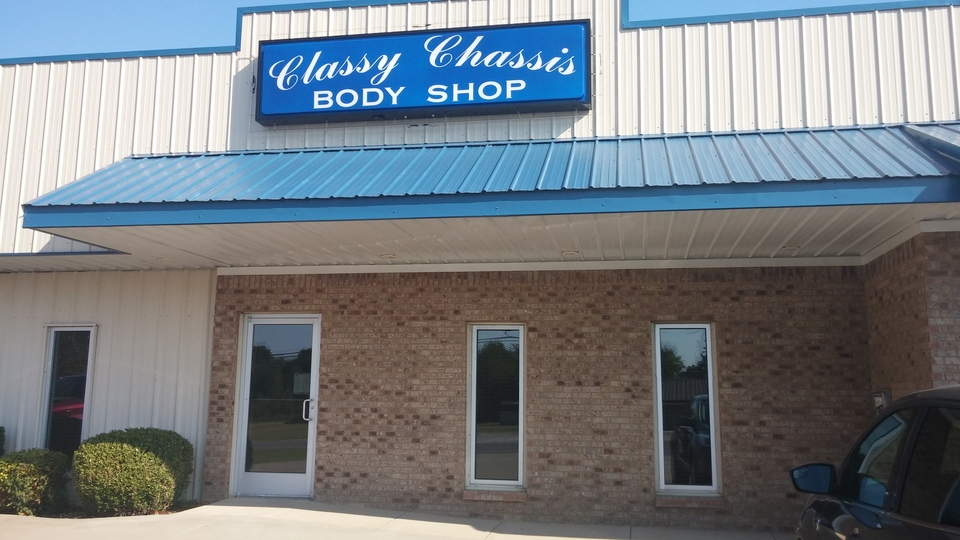 Classy Chassis Body Shop image 0