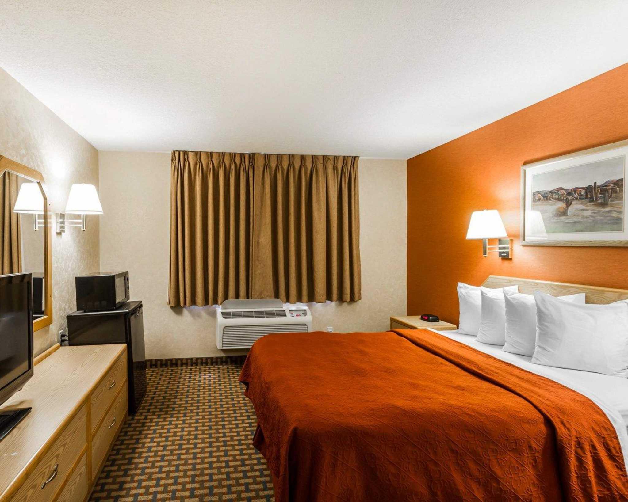 Quality Inn & Suites Surprise Near Sun City West image 9
