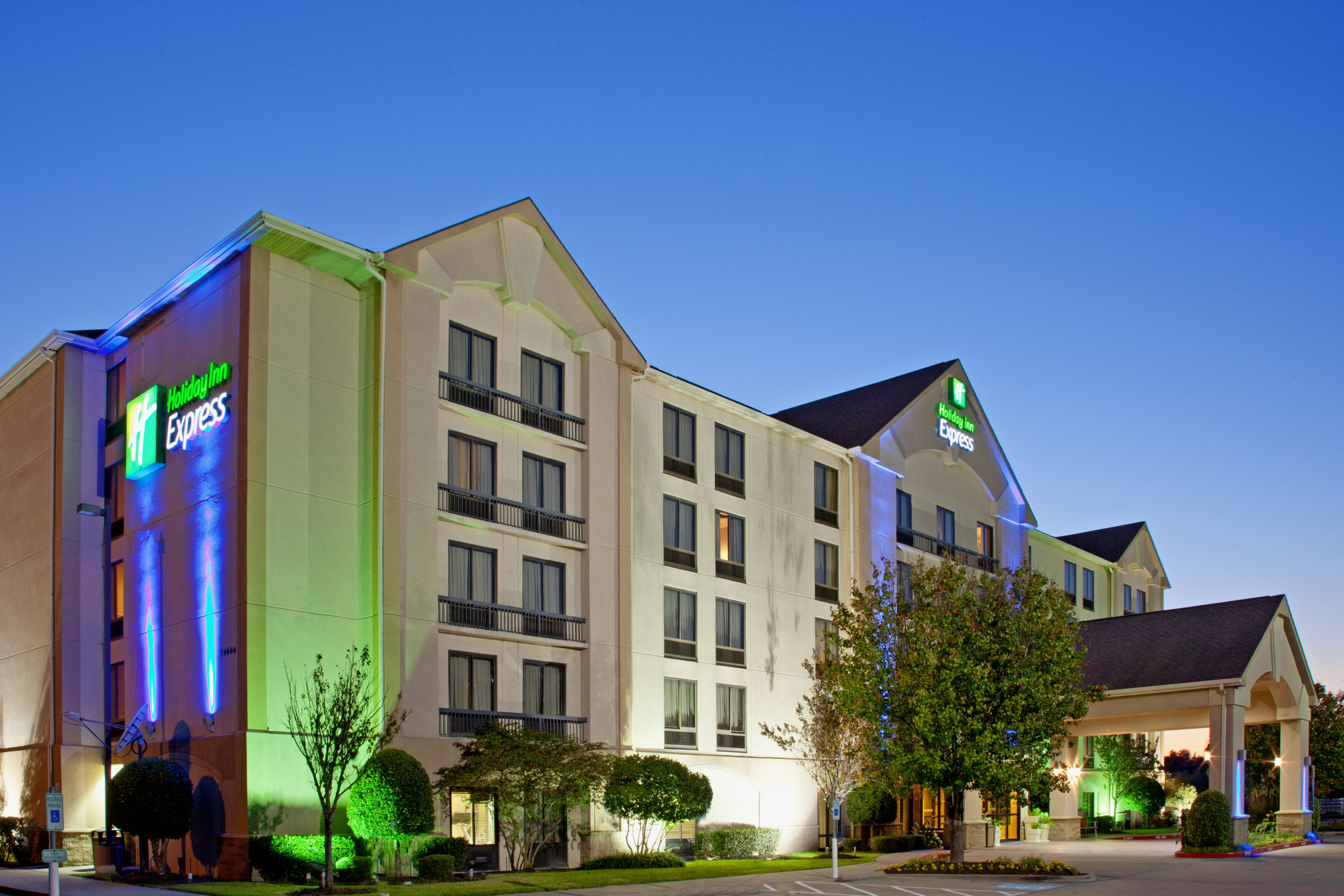 Holiday Inn Express Suites Houston S Medical Ctr Area