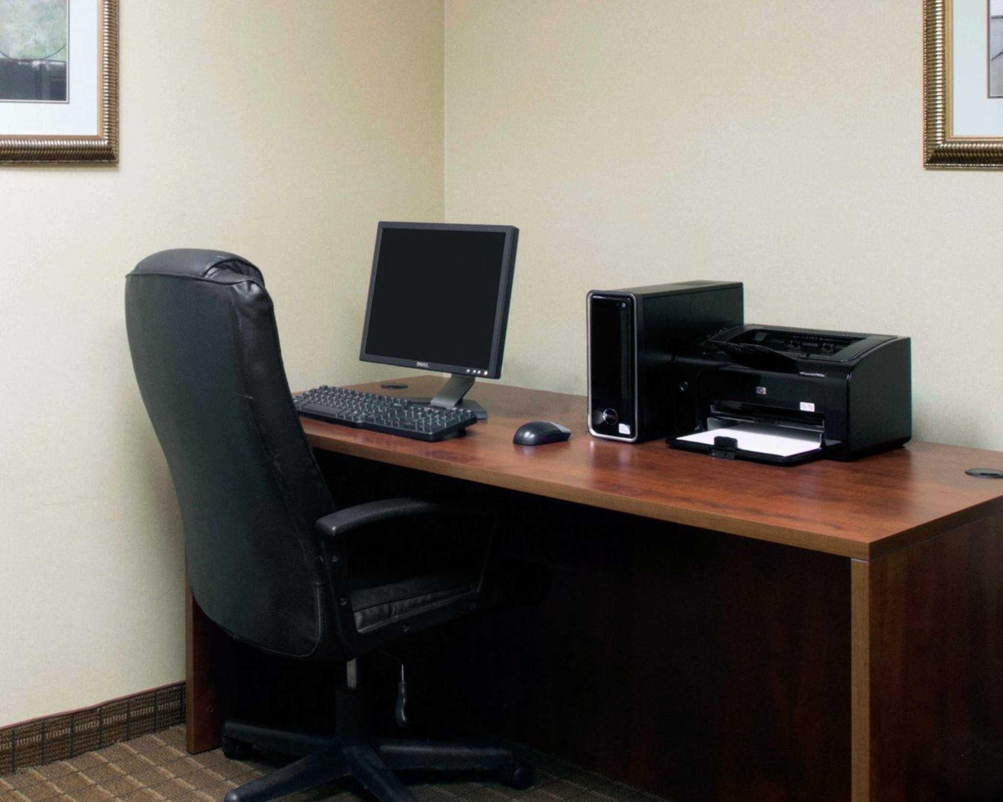 Comfort Inn & Suites Greenville I-70 image 27
