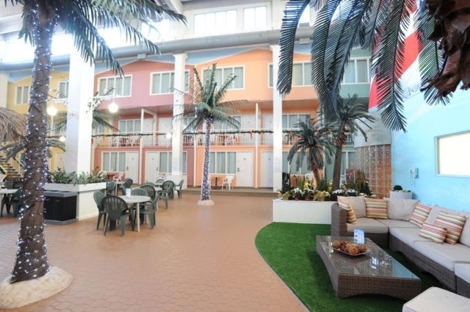 Best Western Seven Oaks Inn in Regina: Sitting Area in Swimming pool