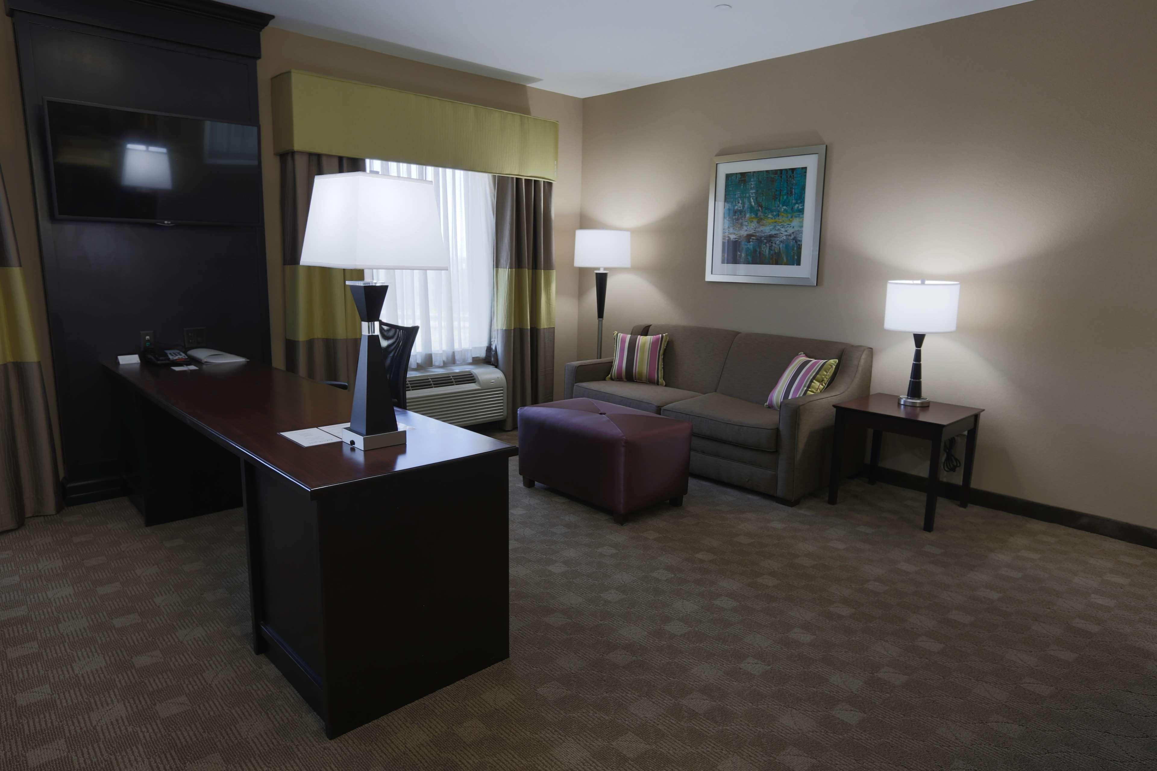 Hampton Inn & Suites Missouri City, TX image 33