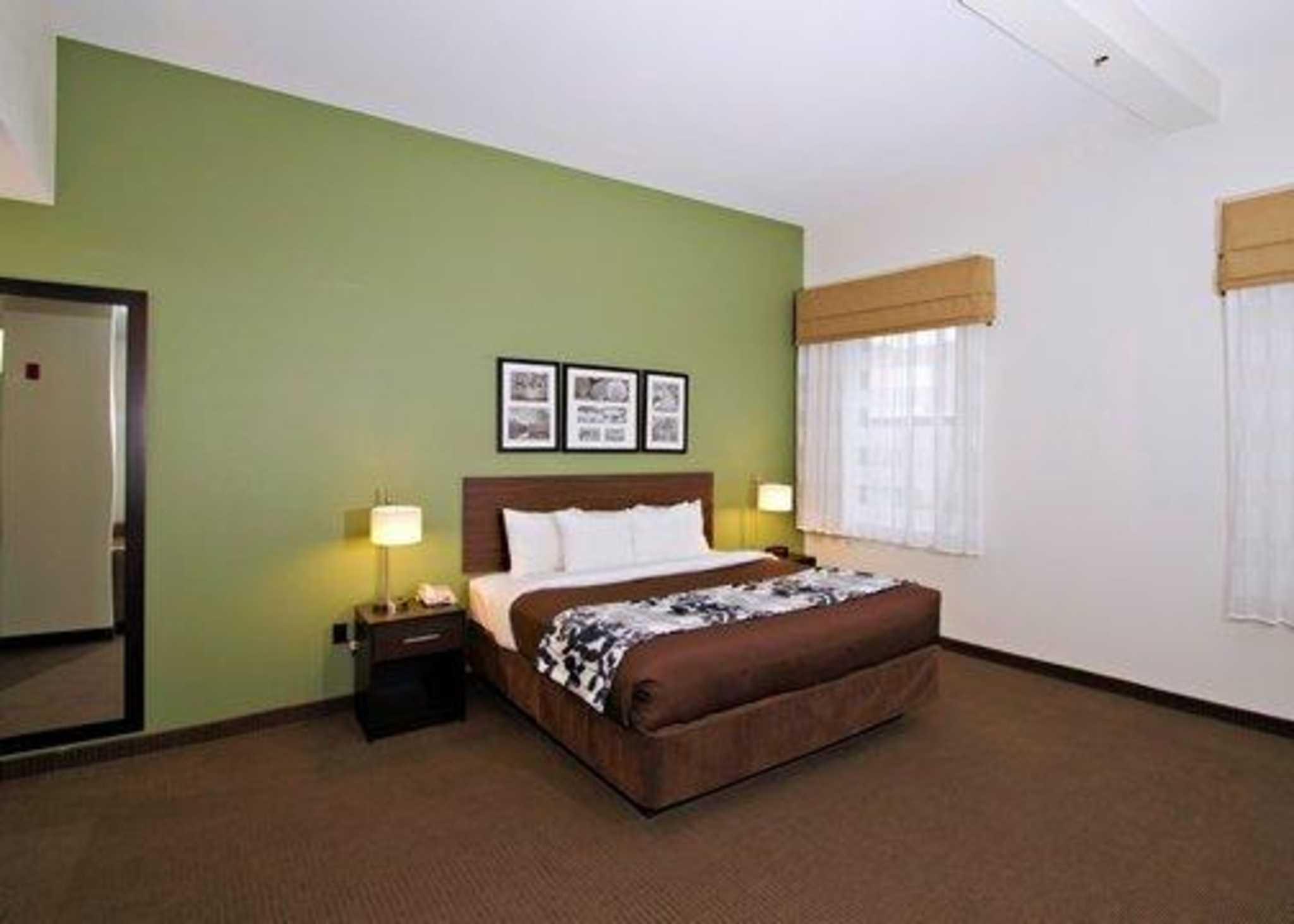 Sleep Inn & Suites Downtown Inner Harbor image 16