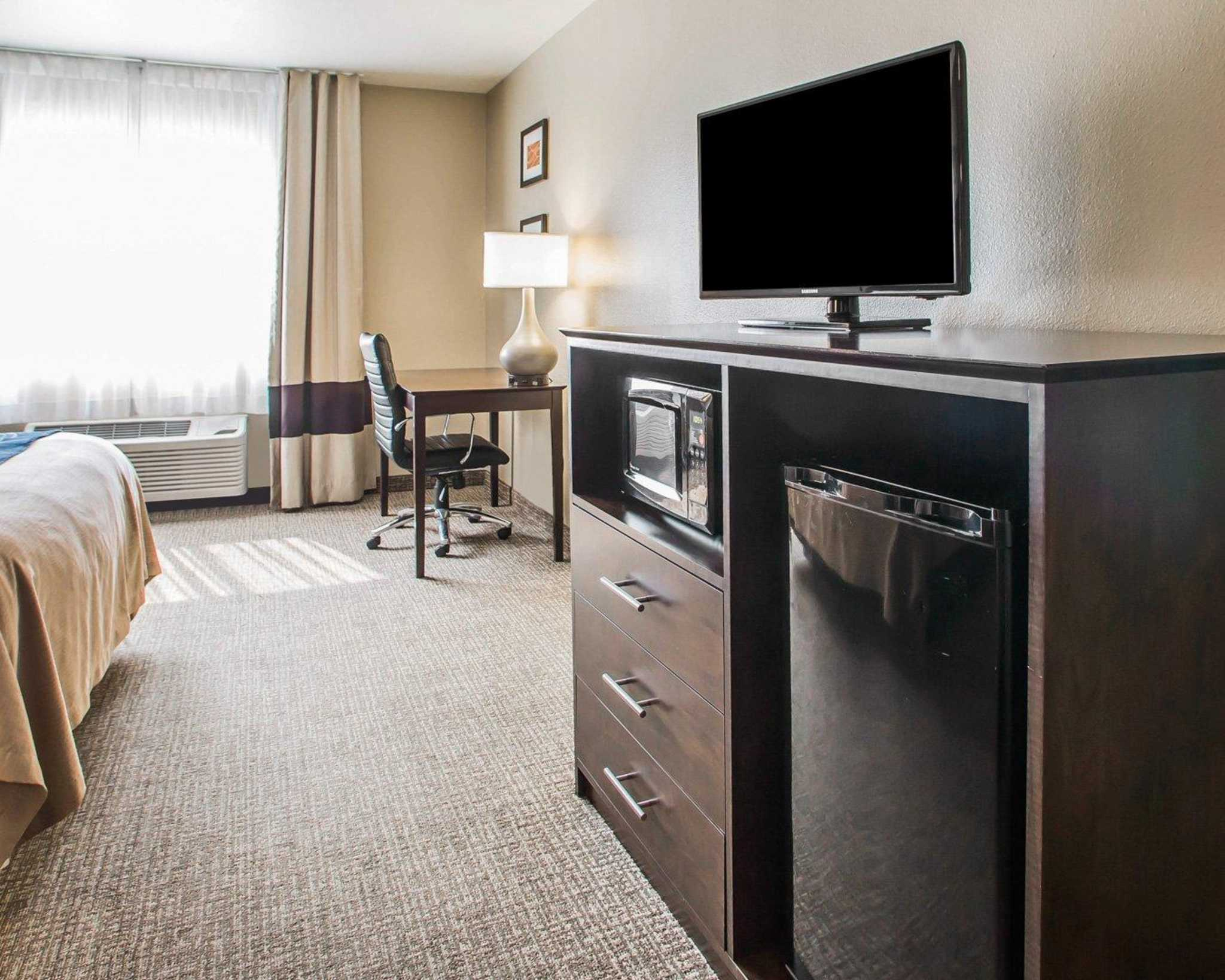 Comfort Inn & Suites Waterloo – Cedar Falls image 10