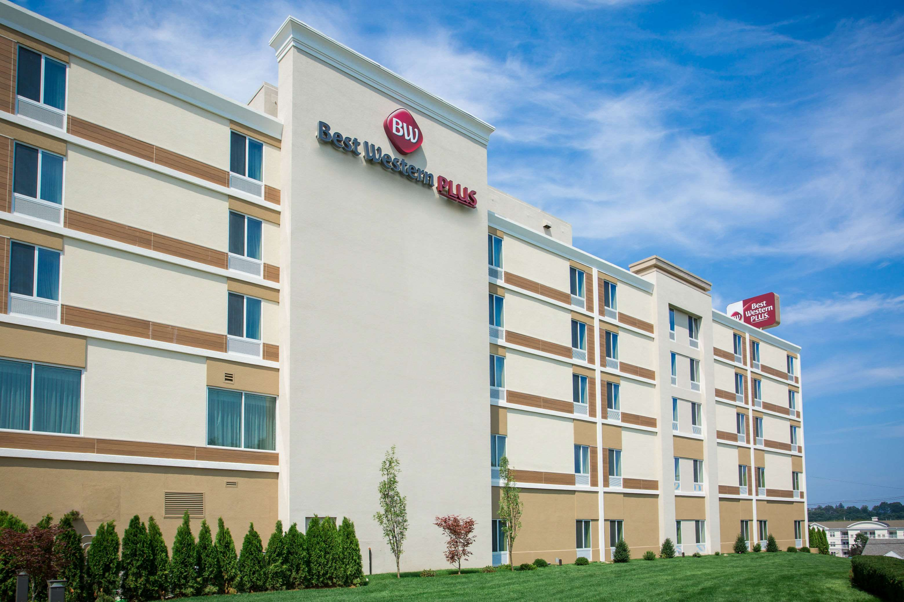 Best Western Plus North Shore Hotel image 2