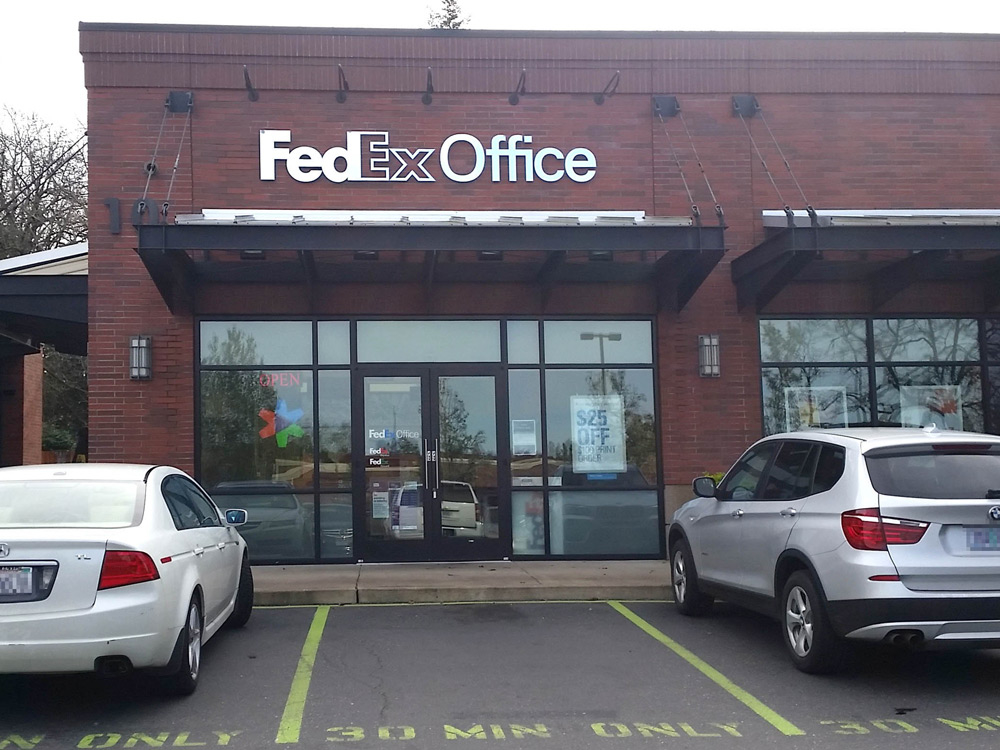 FedEx Office Print & Ship Center Photo