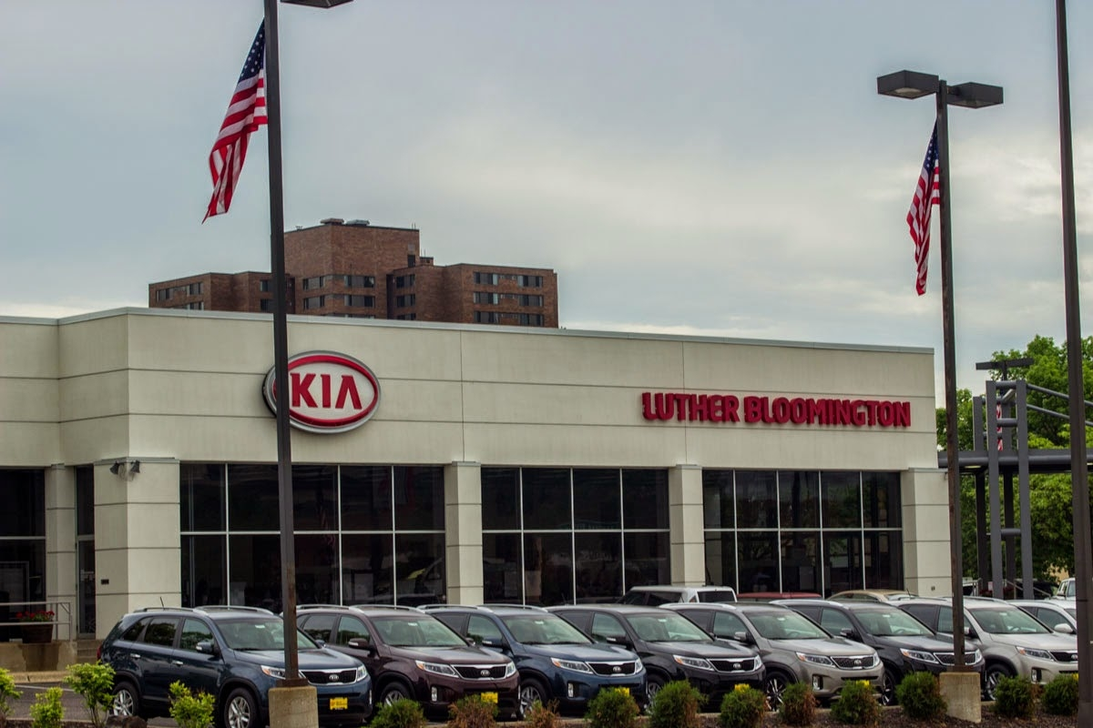 luther kia of bloomington phone 952 881 7800 minneapolis mn united states. Black Bedroom Furniture Sets. Home Design Ideas