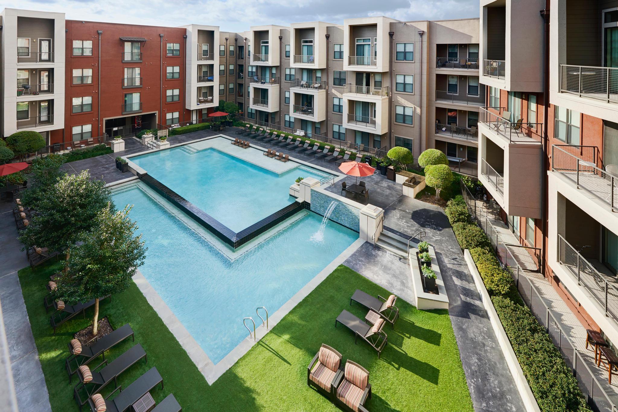 Camden Design District Apartments image 10