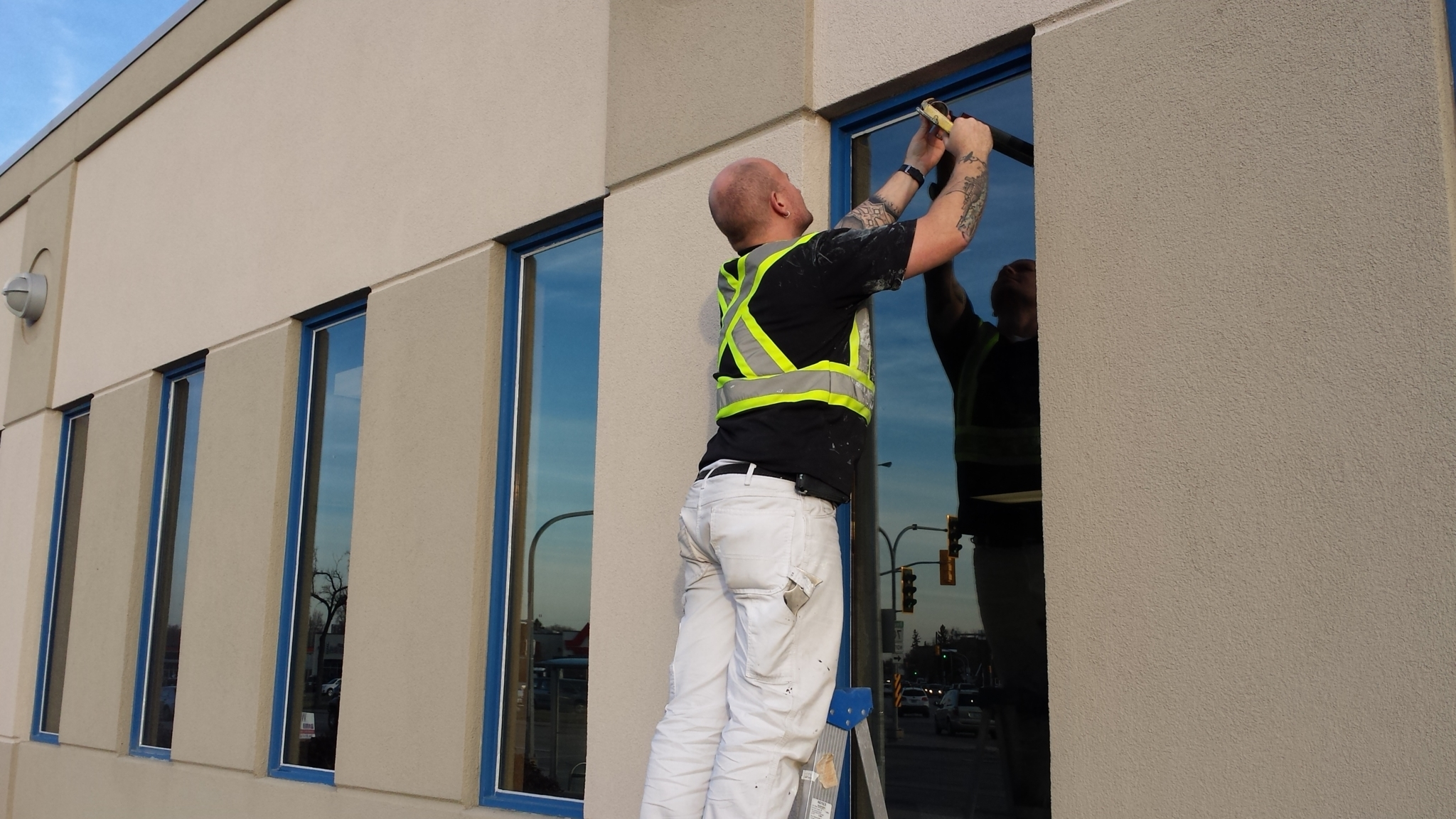 Commercial Window Cleaning - iBegin