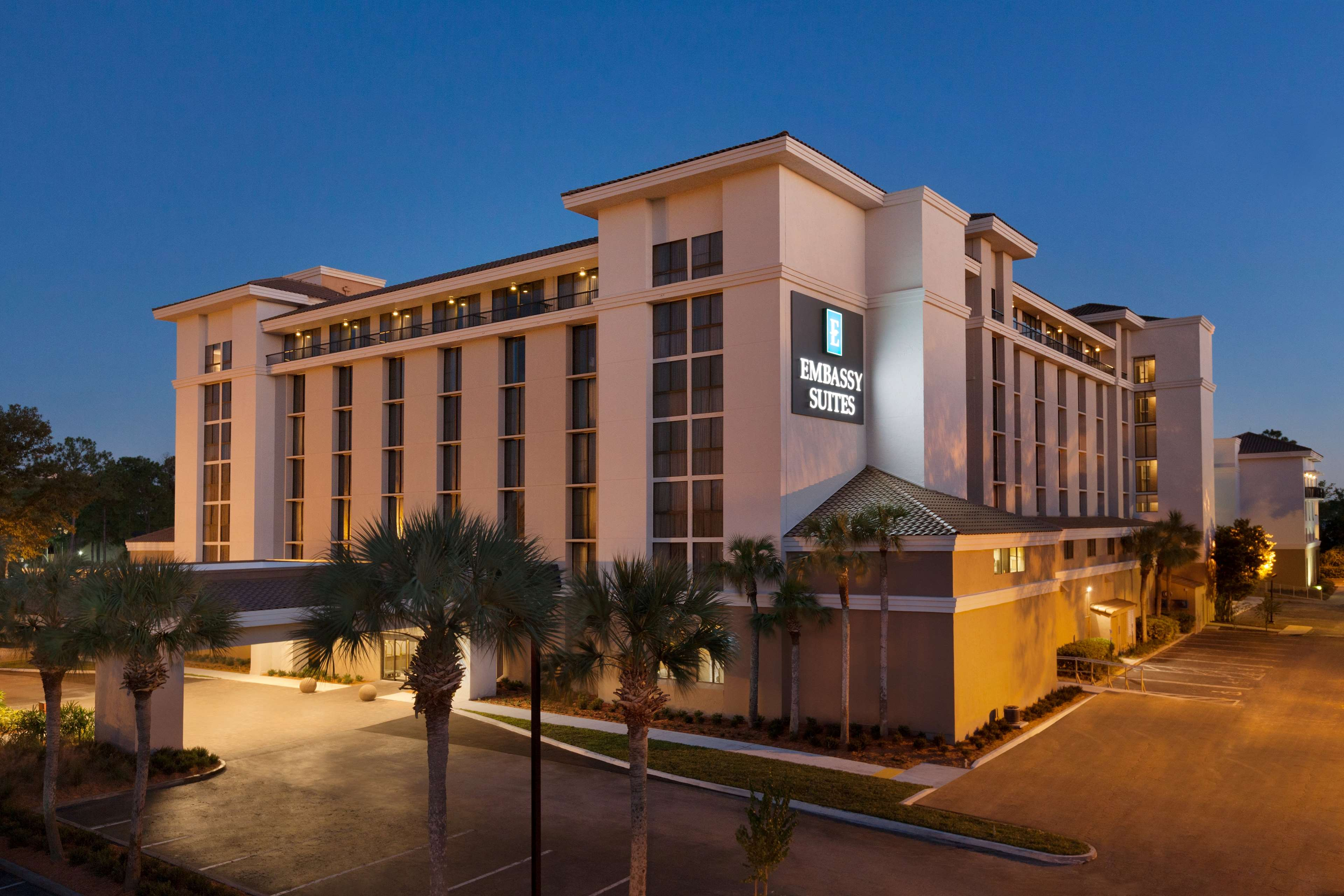 Embassy Suites by Hilton Jacksonville Baymeadows image 0