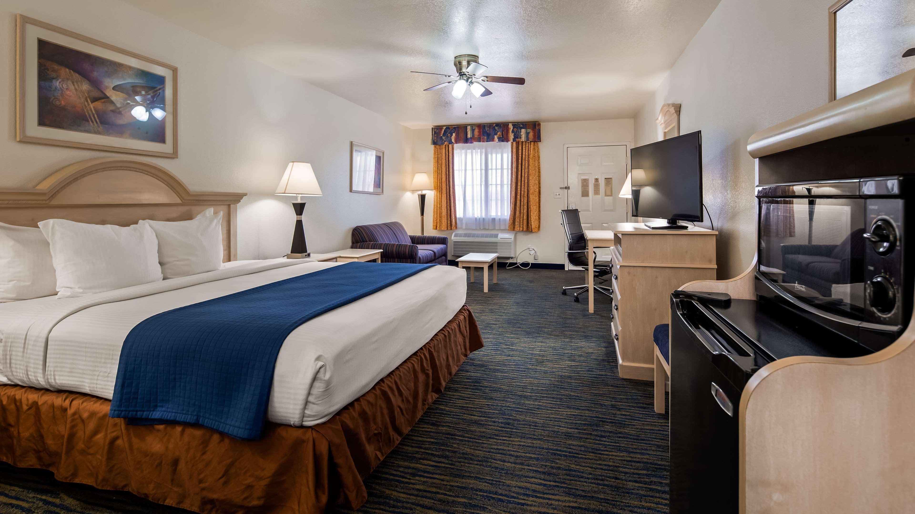 SureStay Hotel by Best Western Falfurrias image 18