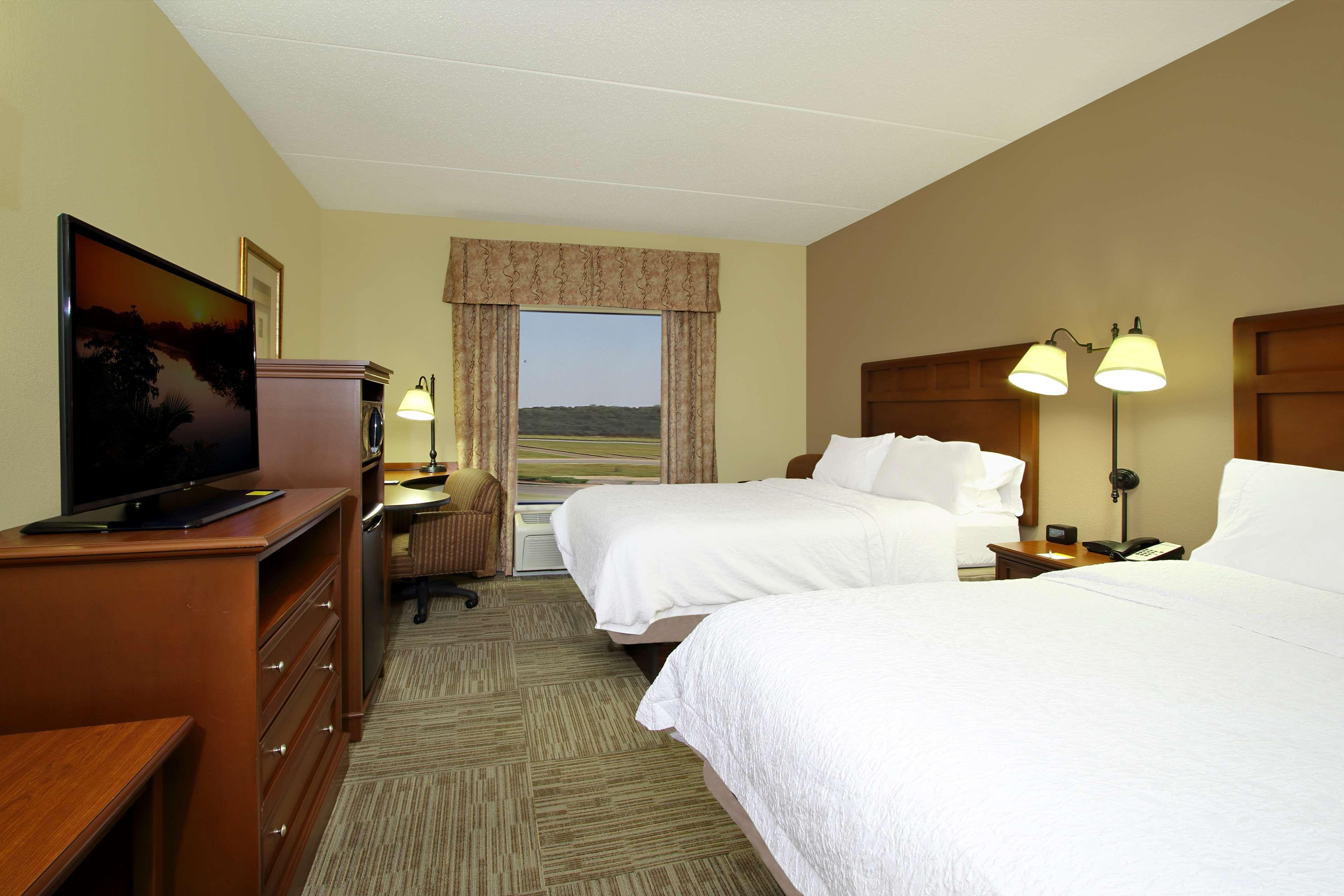 Hampton Inn & Suites Murray image 21