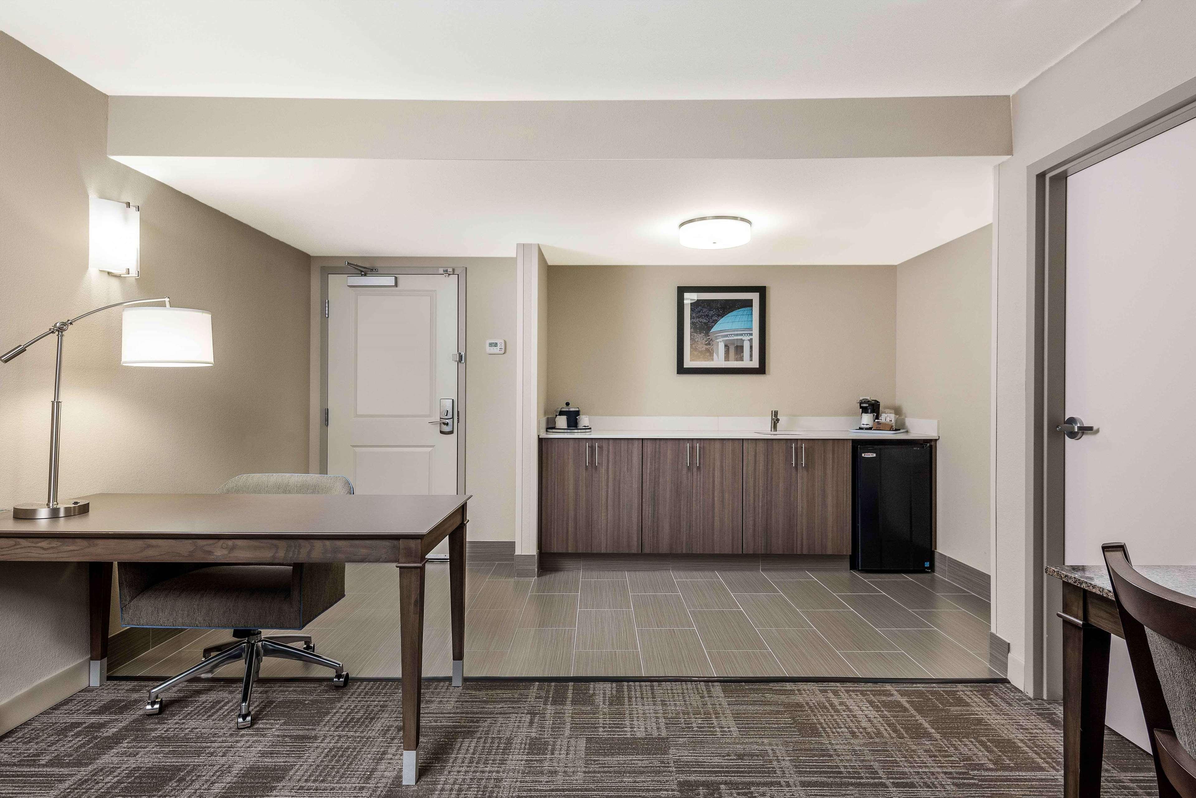Hampton Inn & Suites Chapel Hill/Durham, Area image 7