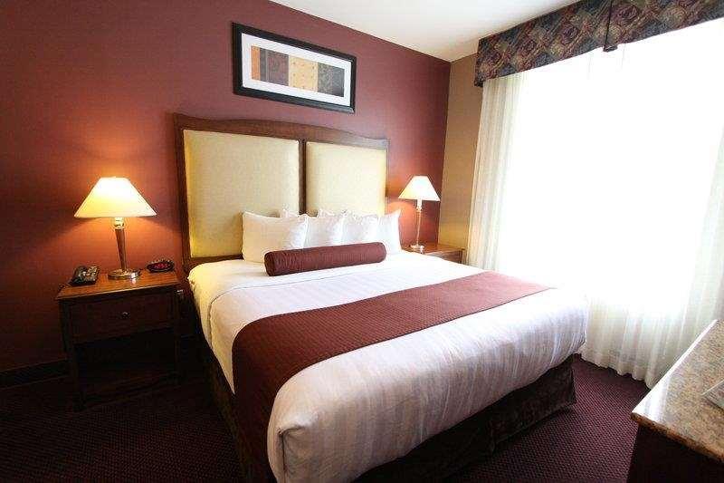 Best Western Plus Hannaford Inn & Suites image 31