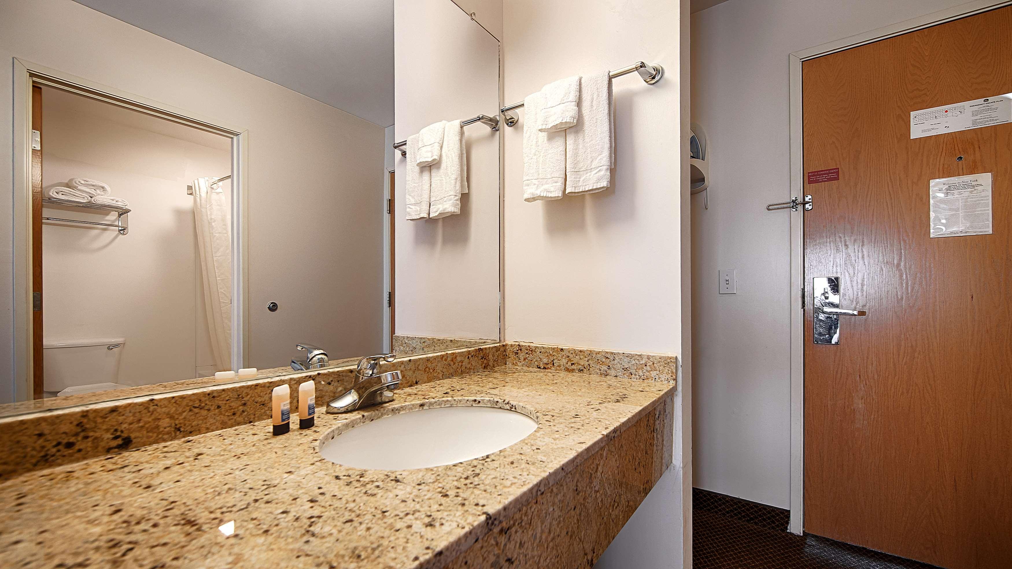 Best Western New Baltimore Inn image 26