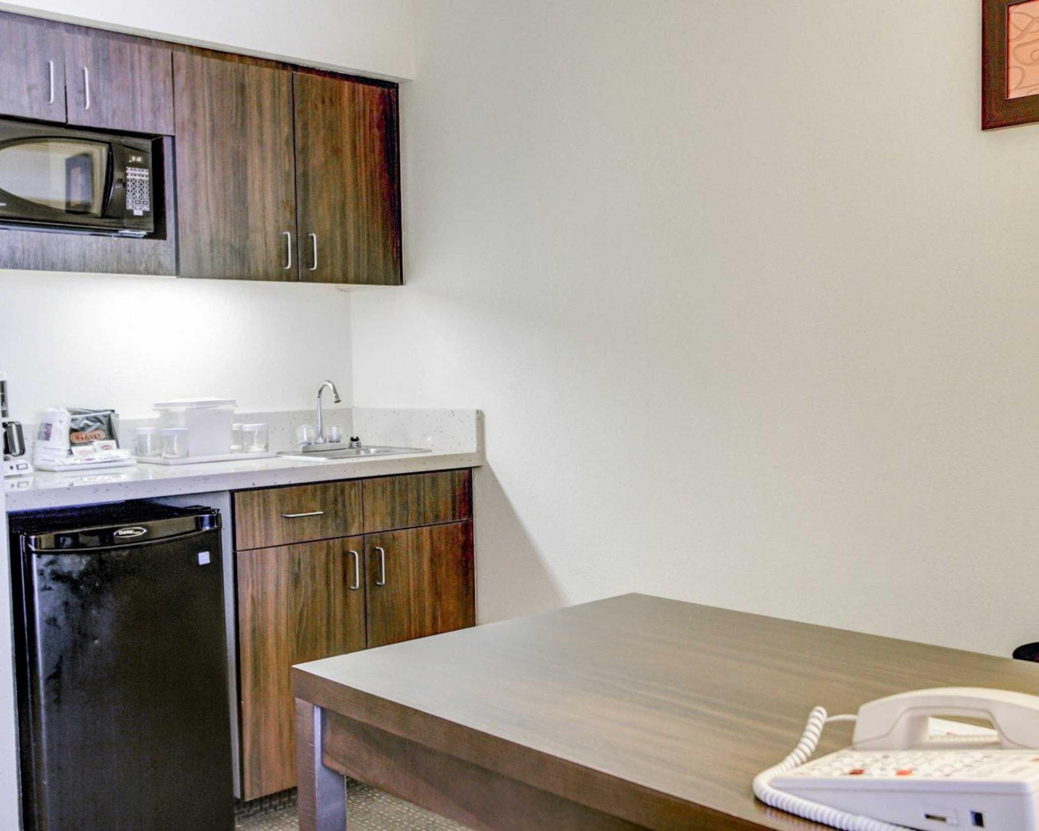 Comfort Suites Weston - Sawgrass Mills South image 38