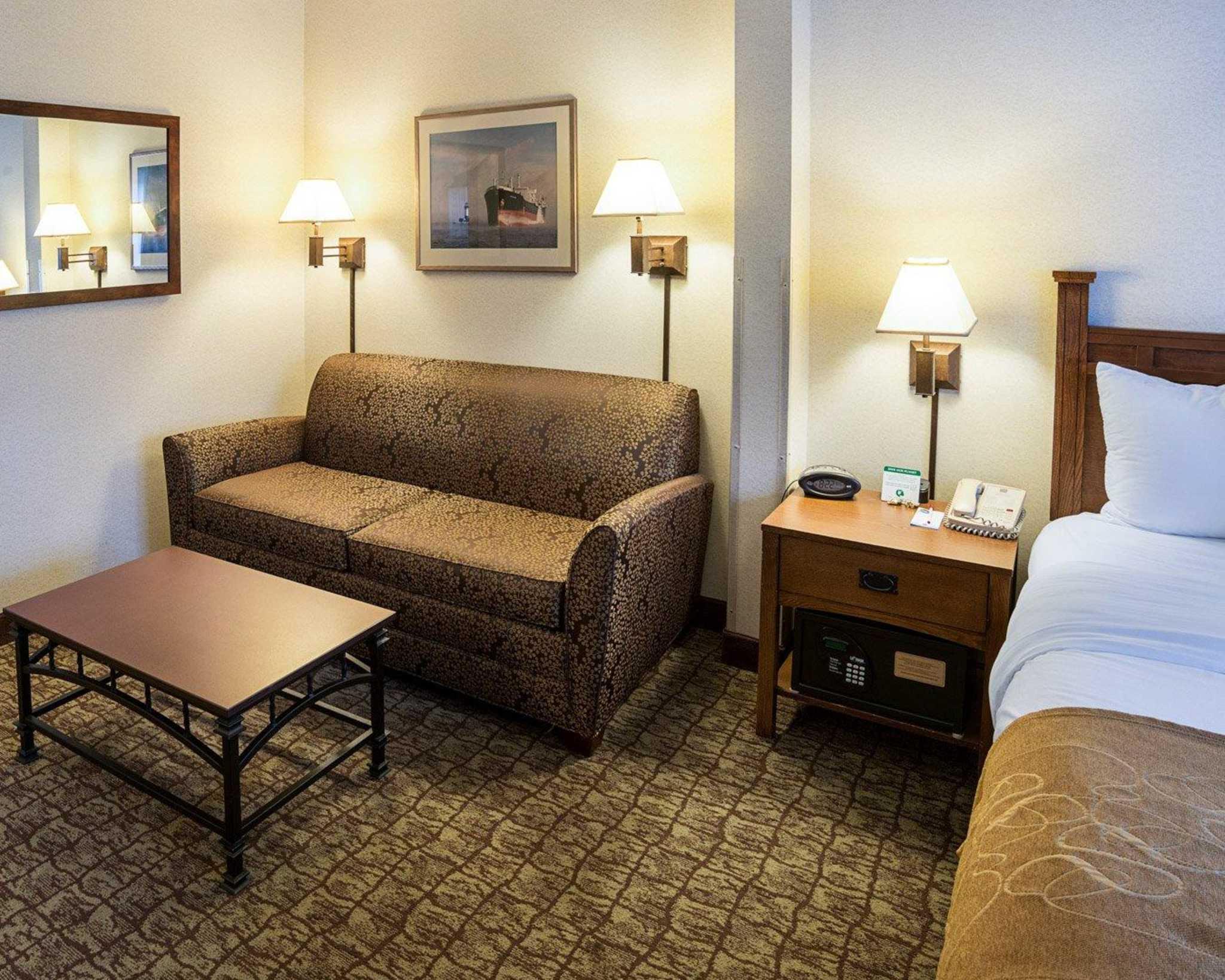 Comfort Suites Canal Park image 6