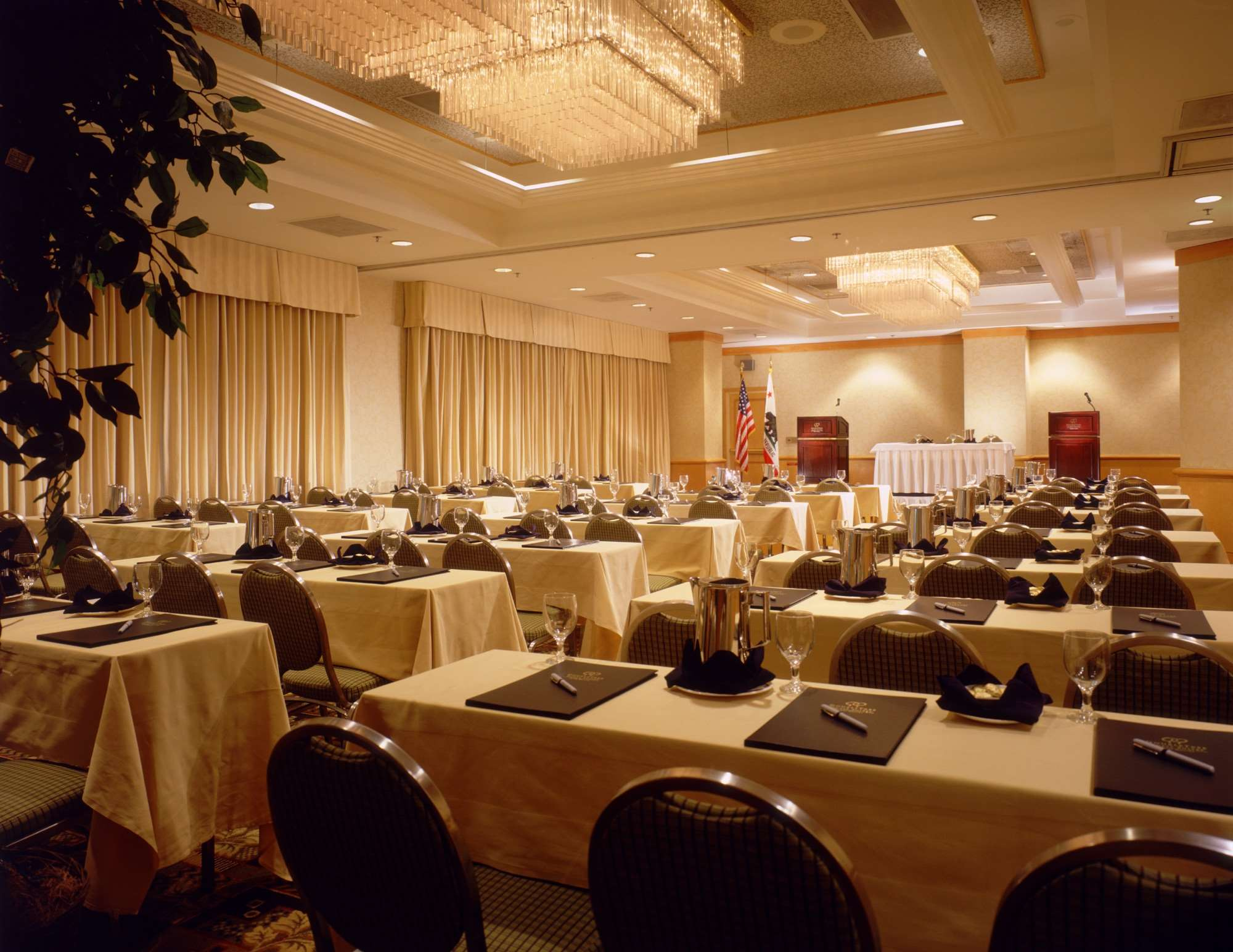 DoubleTree Suites by Hilton Hotel Santa Monica image 13