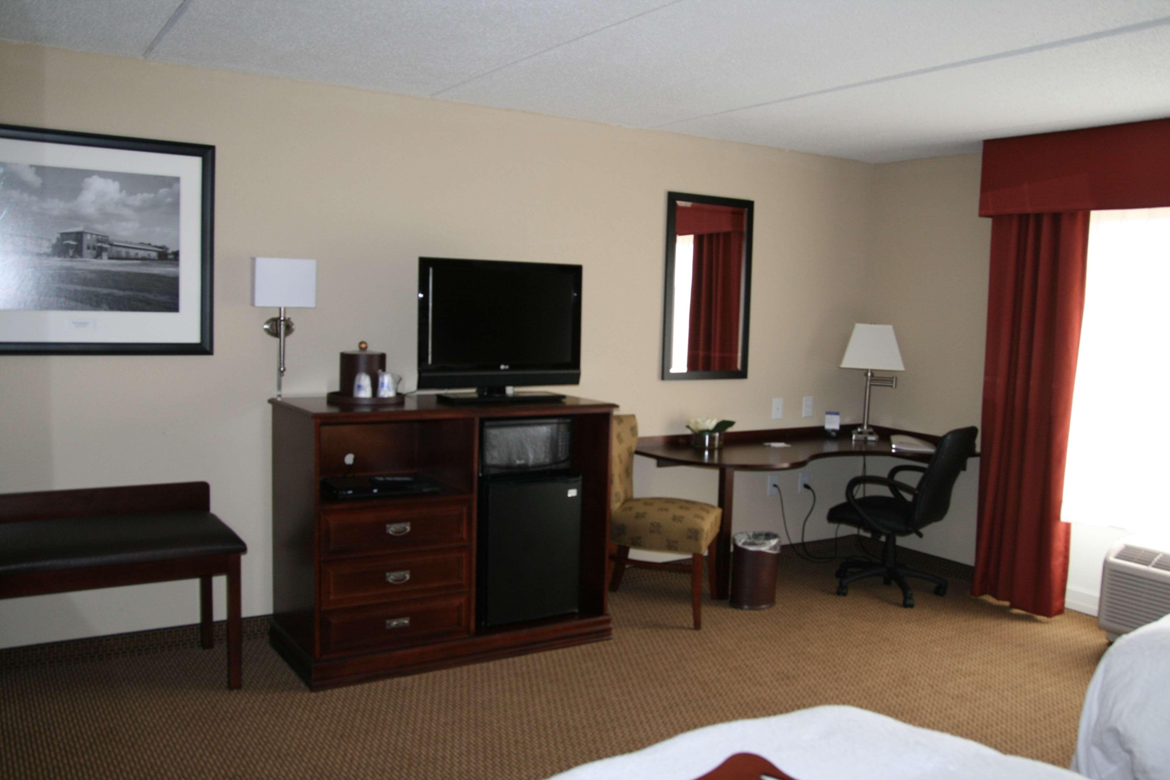 Hampton Inn & Suites Lanett-West Point image 24