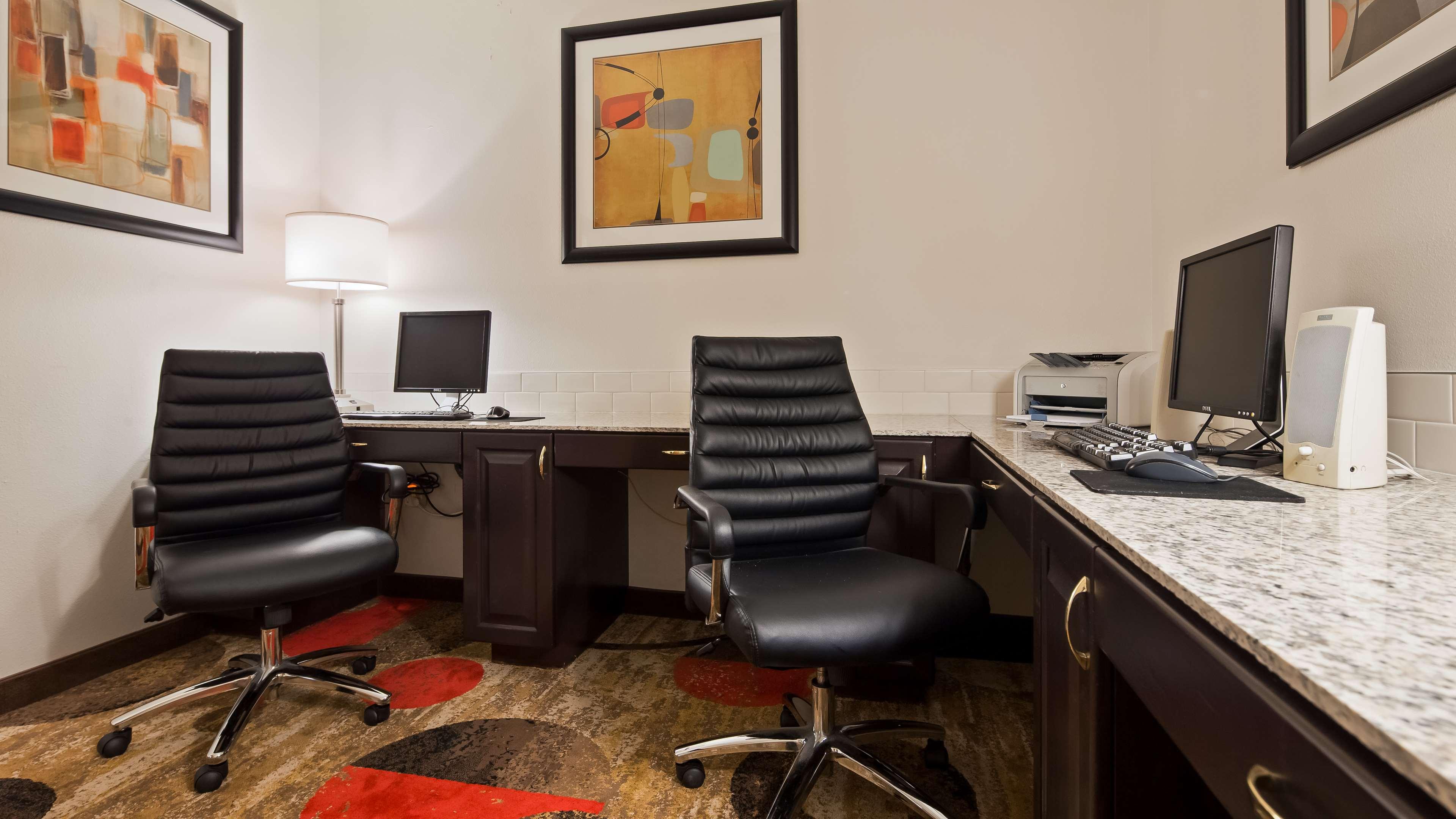 Best Western Plus Eagleridge Inn & Suites image 3