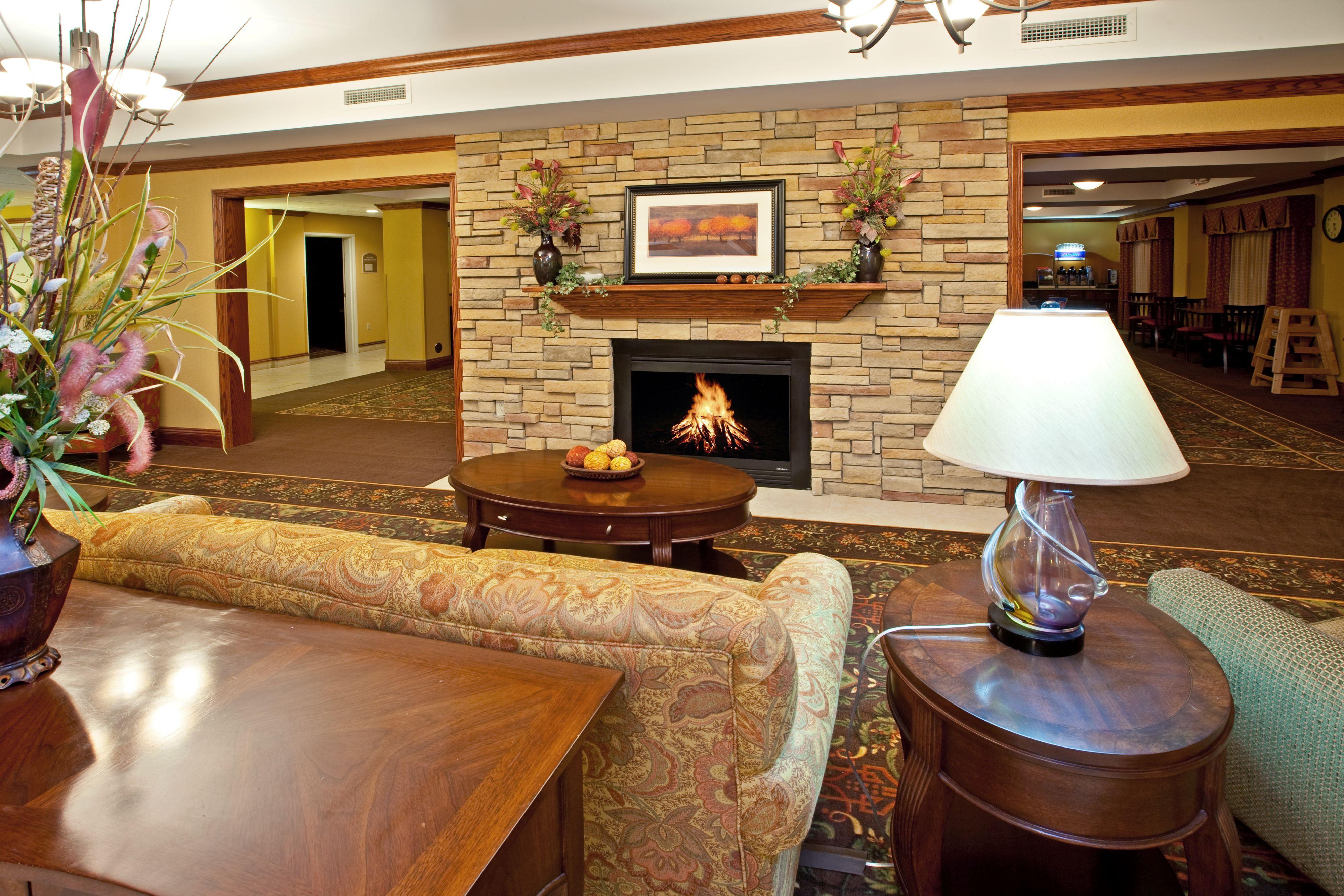 Holiday Inn Express & Suites Vandalia image 4