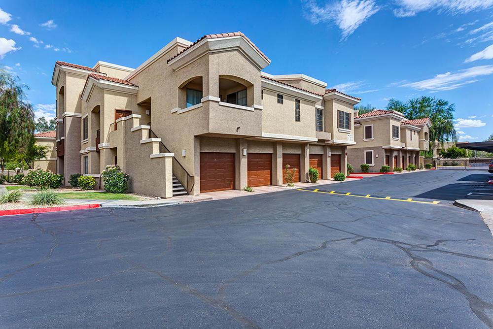 Camden Montierra Apartments image 27