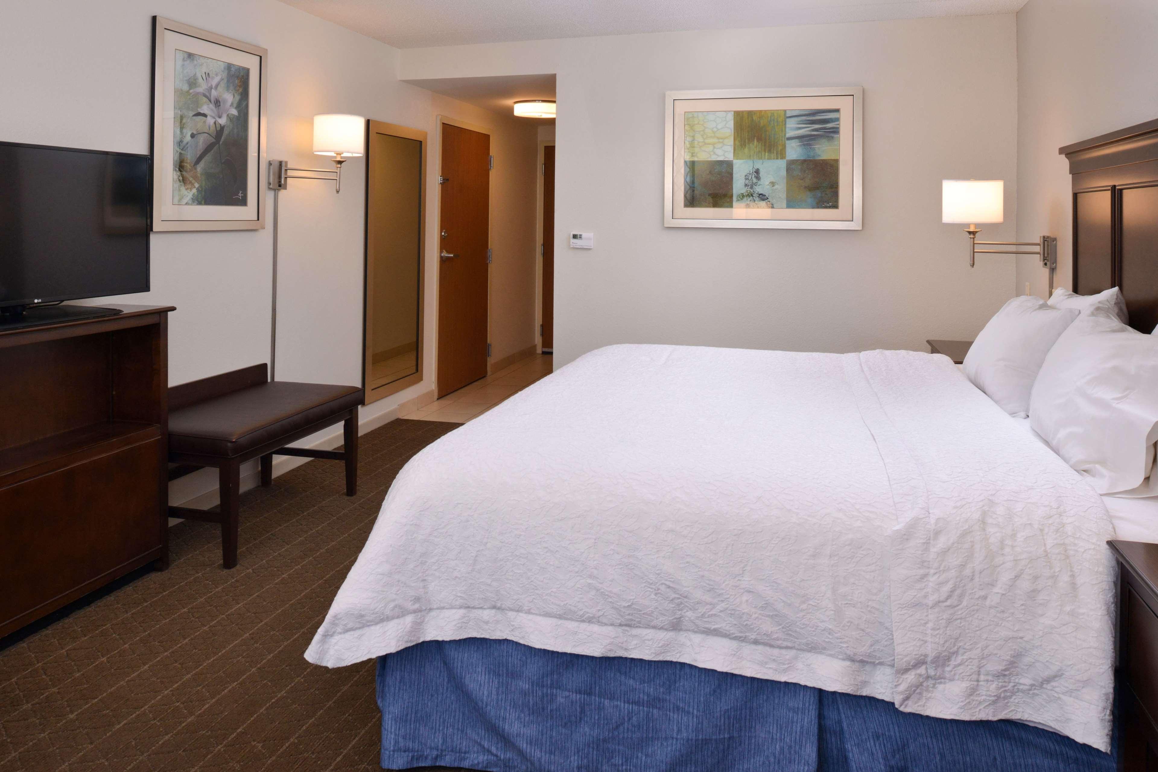 Hampton Inn & Suites Pueblo-Southgate image 23