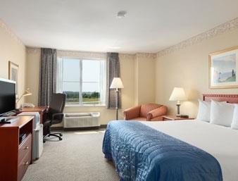 Baymont Inn & Suites Ft. Leonard/Saint Robert image 3