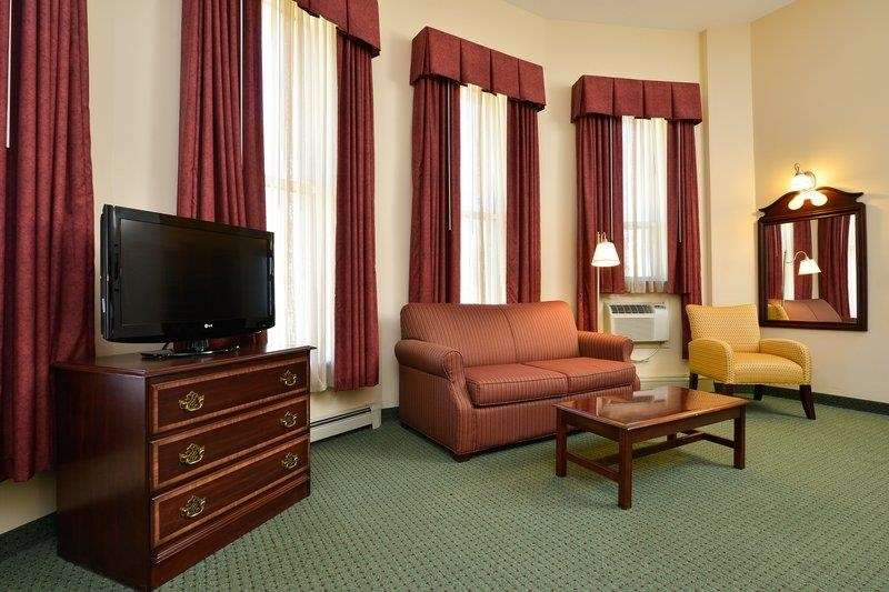 Best Western The Hotel Chequamegon image 11