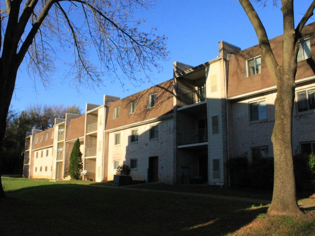 Caln East Apartments image 2
