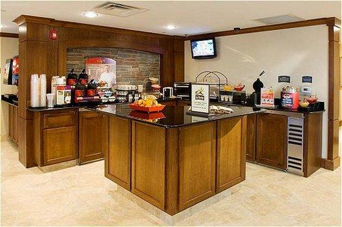Staybridge Suites Milwaukee Airport South image 4