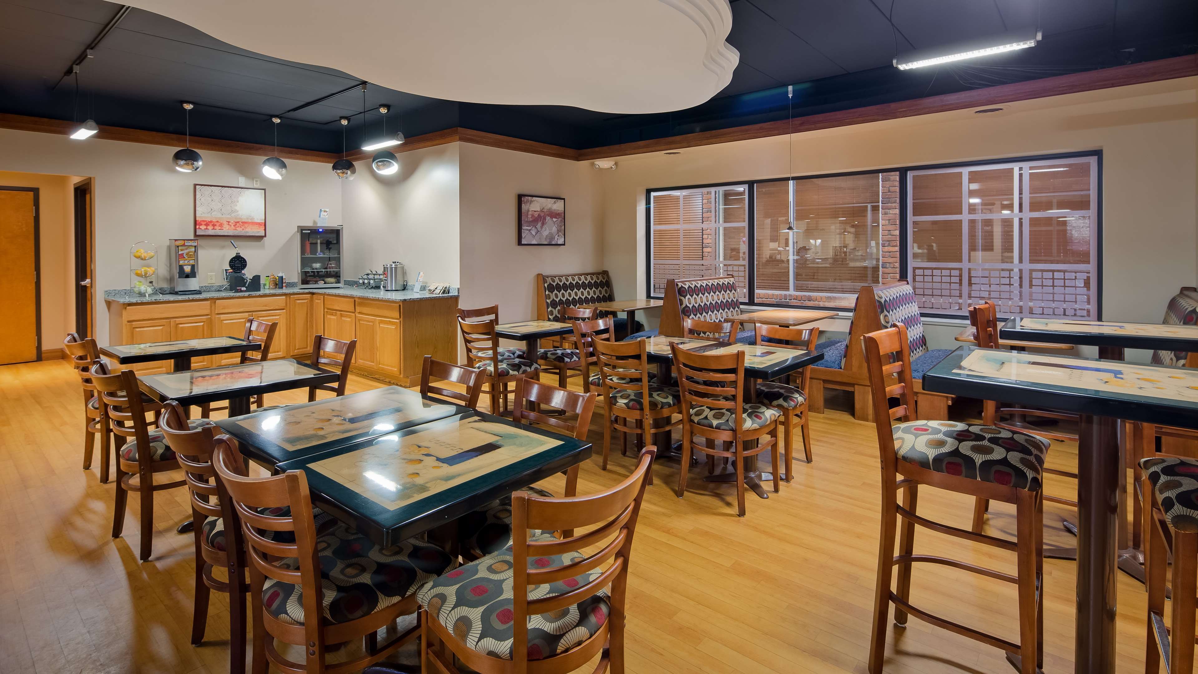 Best Western Valley Plaza Inn image 28
