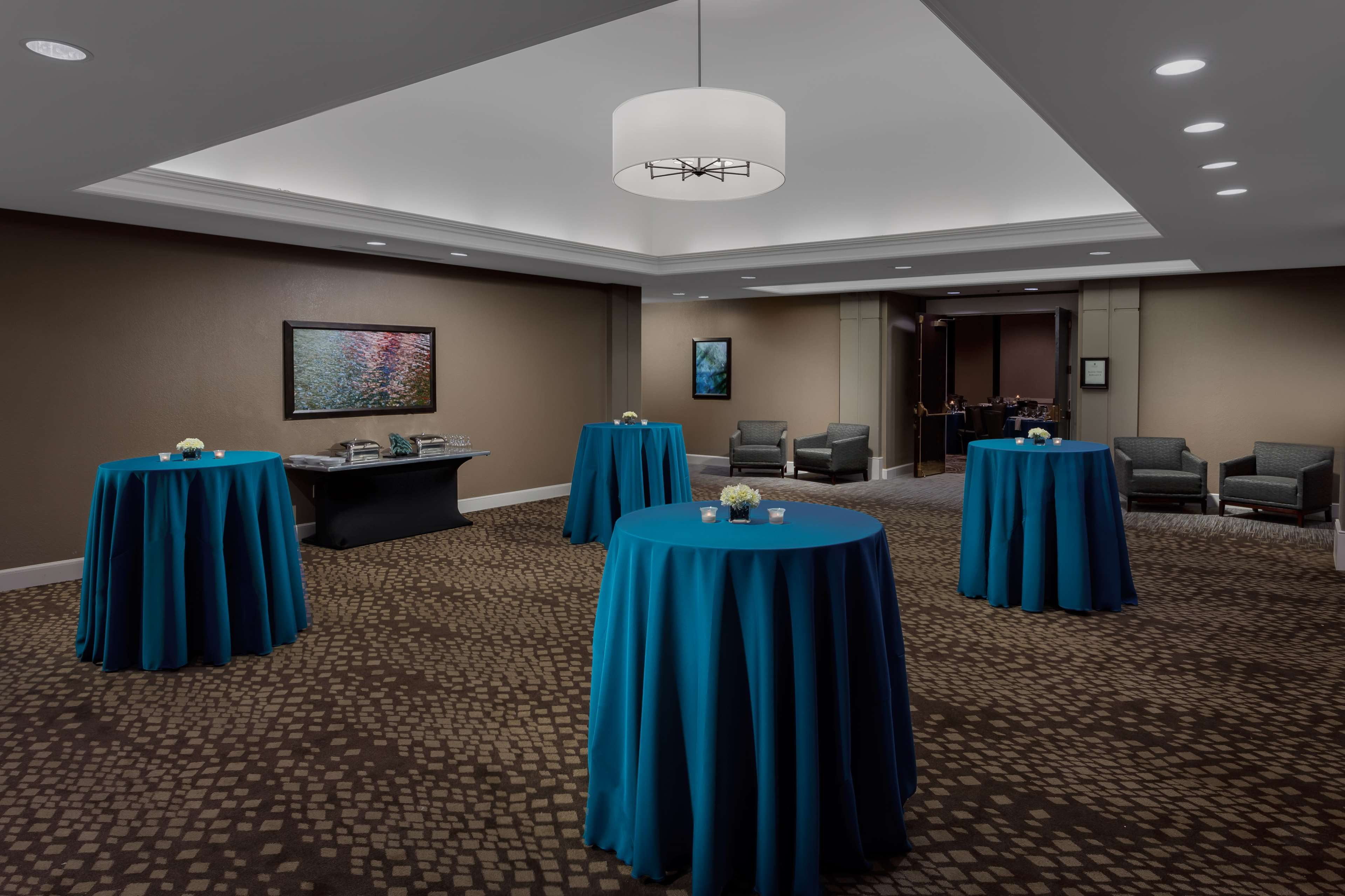 Embassy Suites by Hilton Orlando Lake Buena Vista Resort image 25