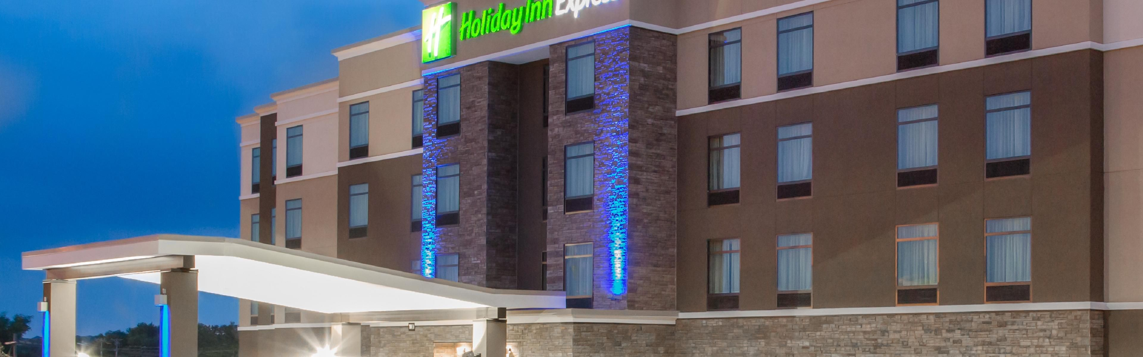 Holiday Inn Express Moline - Quad Cities image 0