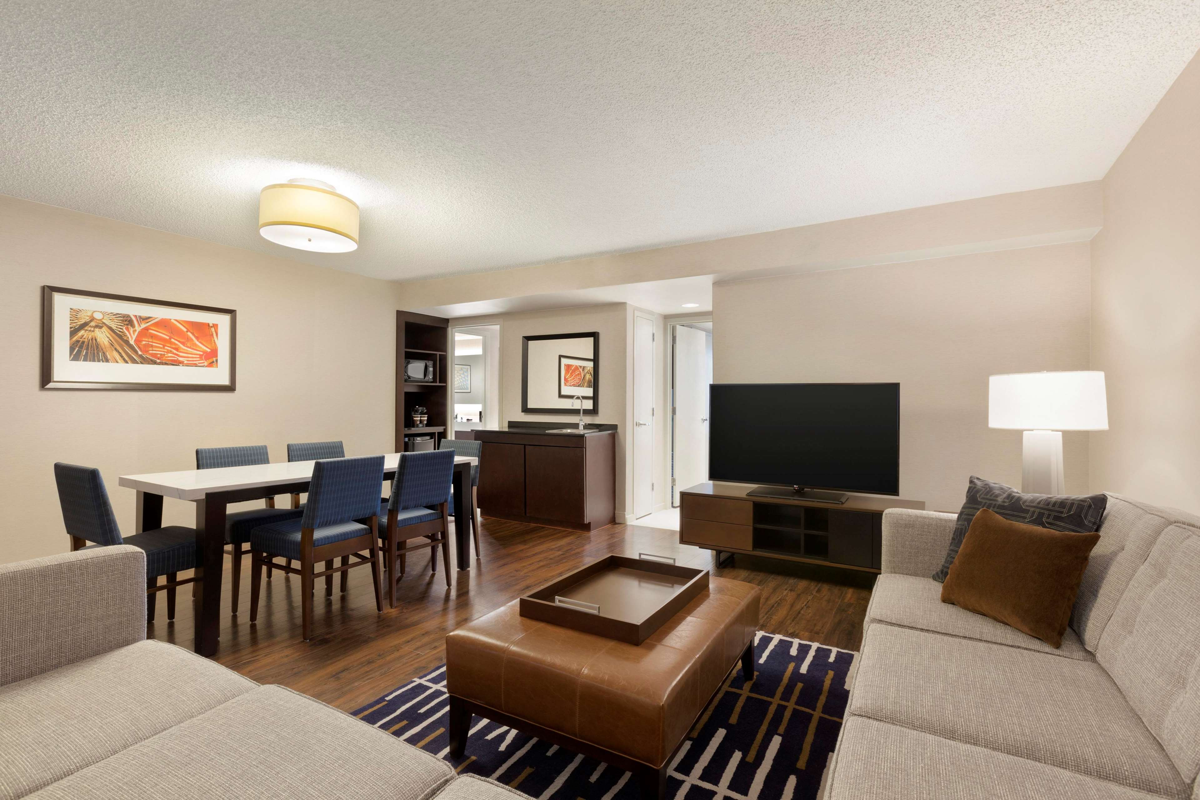 Embassy Suites by Hilton Chicago Lombard Oak Brook image 33