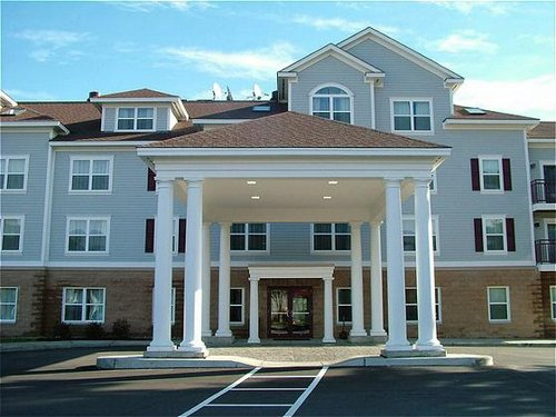 Holiday Inn Express & Suites White River Junction image 0