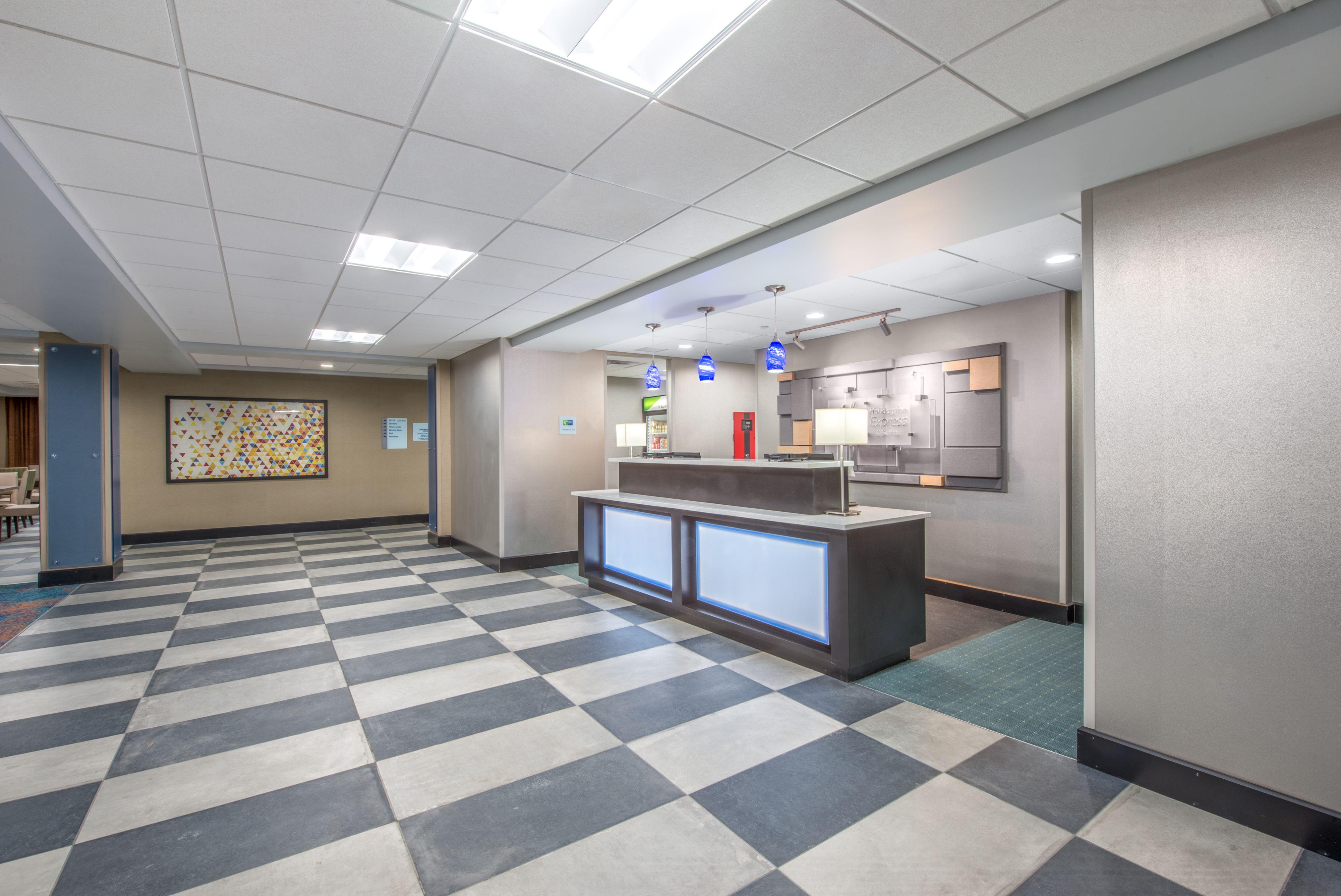 Holiday Inn Express & Suites Shawnee-Kansas City West image 5
