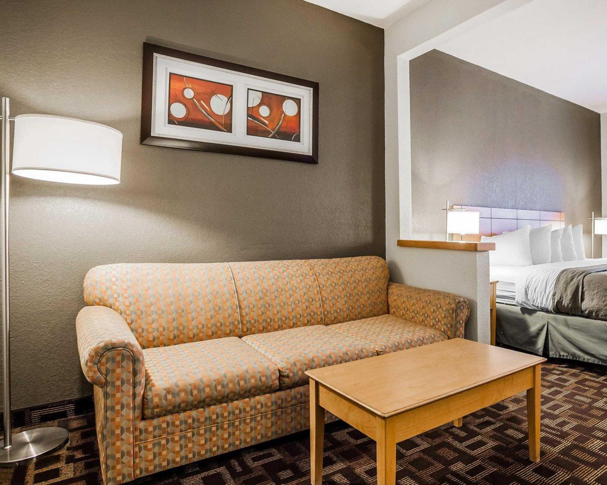 Quality Inn & Suites Des Moines Airport image 24